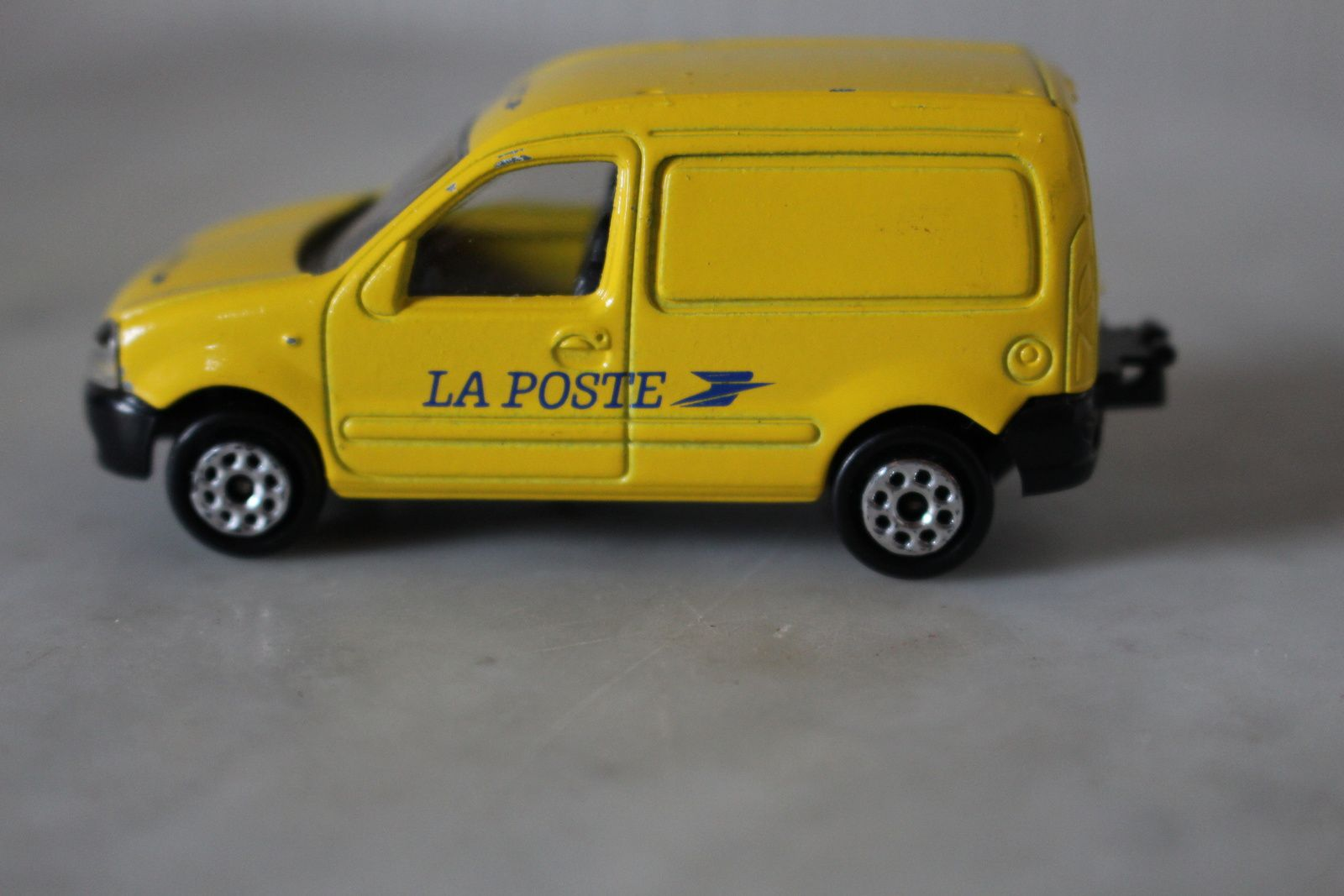 voiture miniature la poste 1 57 renault kangoo par. Black Bedroom Furniture Sets. Home Design Ideas