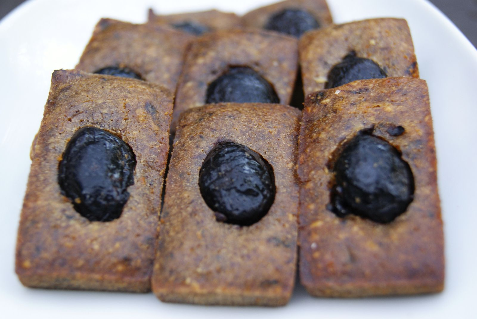 Financiers à la tapenade
