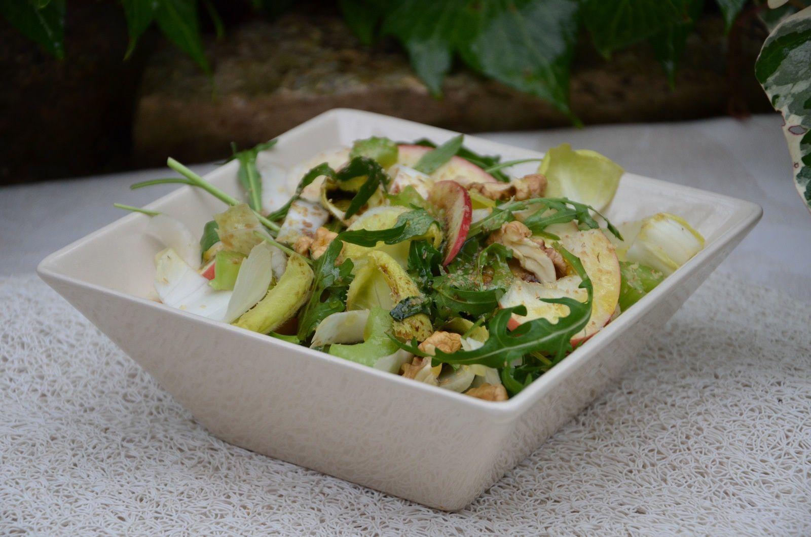 Salade acidulée roquette, céleri, endive, pomme
