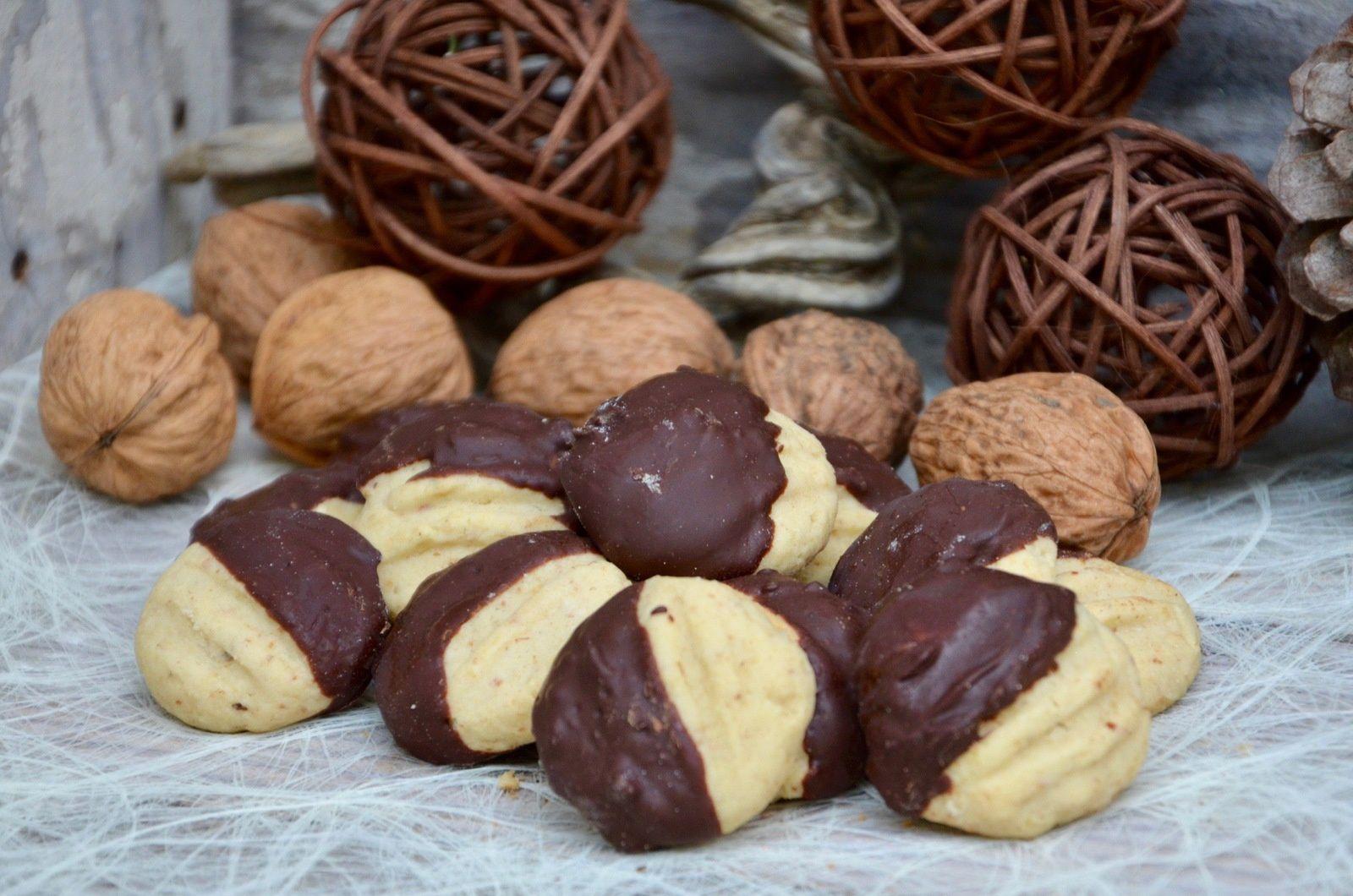 Sablés pattes de chat noix / chocolat