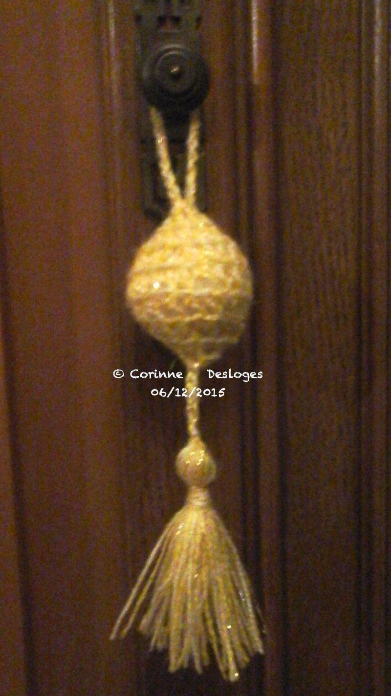 CREA'CROCHET : dernière boule de Noël parfumée à pampilles