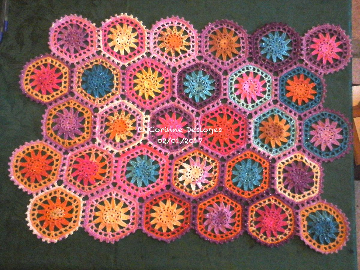 CROCHET : mon &quot&#x3B;hexaplaid&quot&#x3B; avec les modules d'Annette Petavy