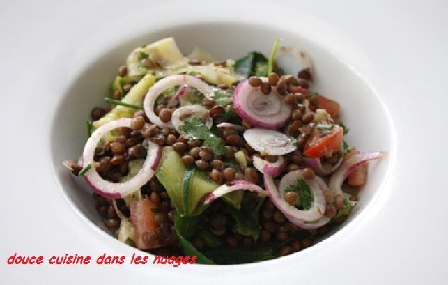Salade d'été de lentilles parfumées au gingembre et à la coriandre