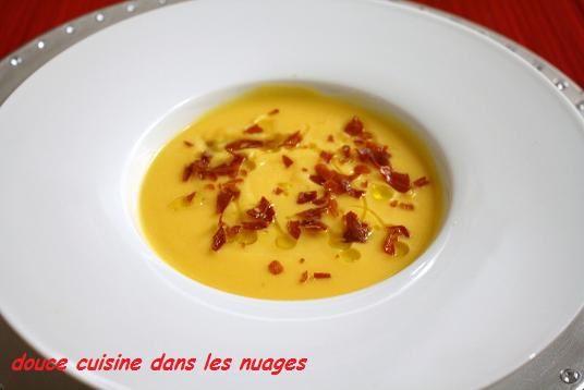 Velouté de chou-fleur, butternut parfumé avec huile à la truffe