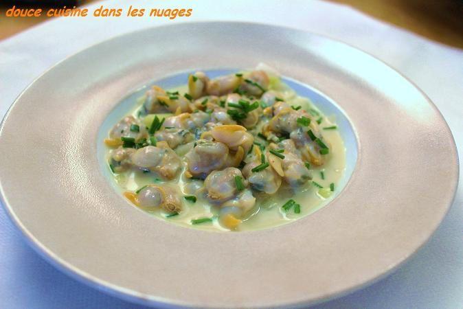 Poêlée de coques, Saint Agur®, poireaux au raifort