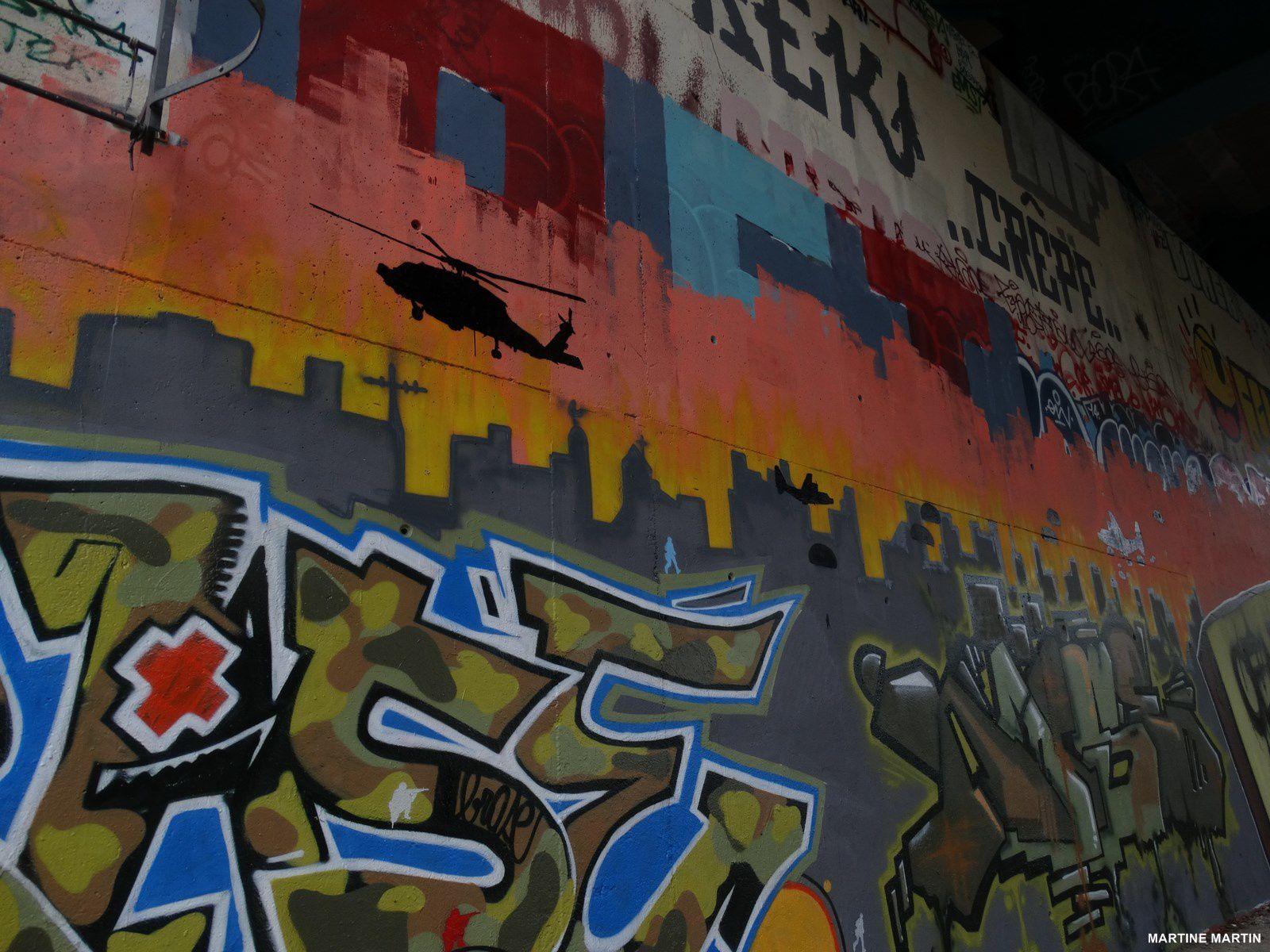 Graffitis sous le pont de l'Oise