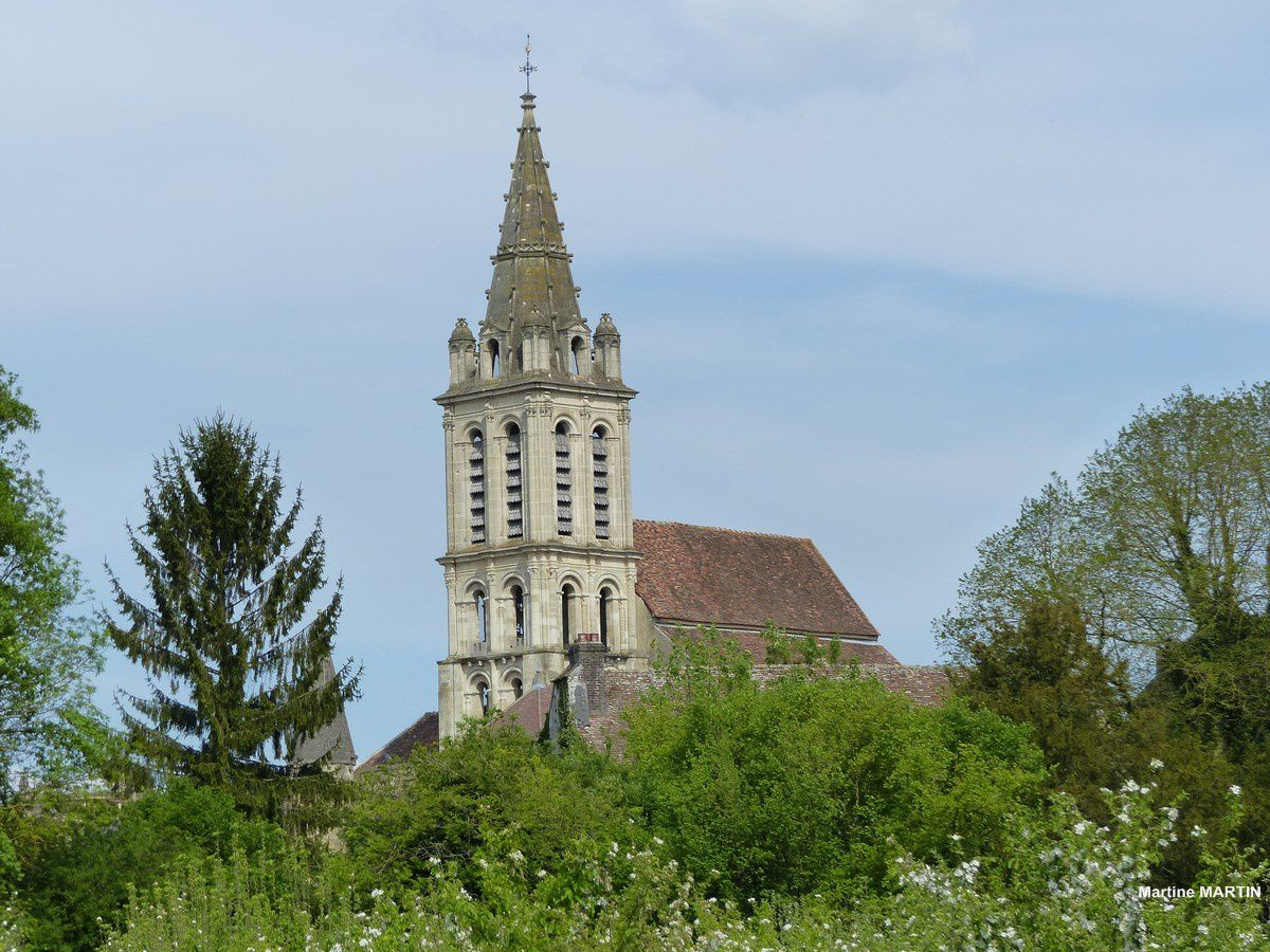 Le clocher de l'église Saint-Christophe de Cergy