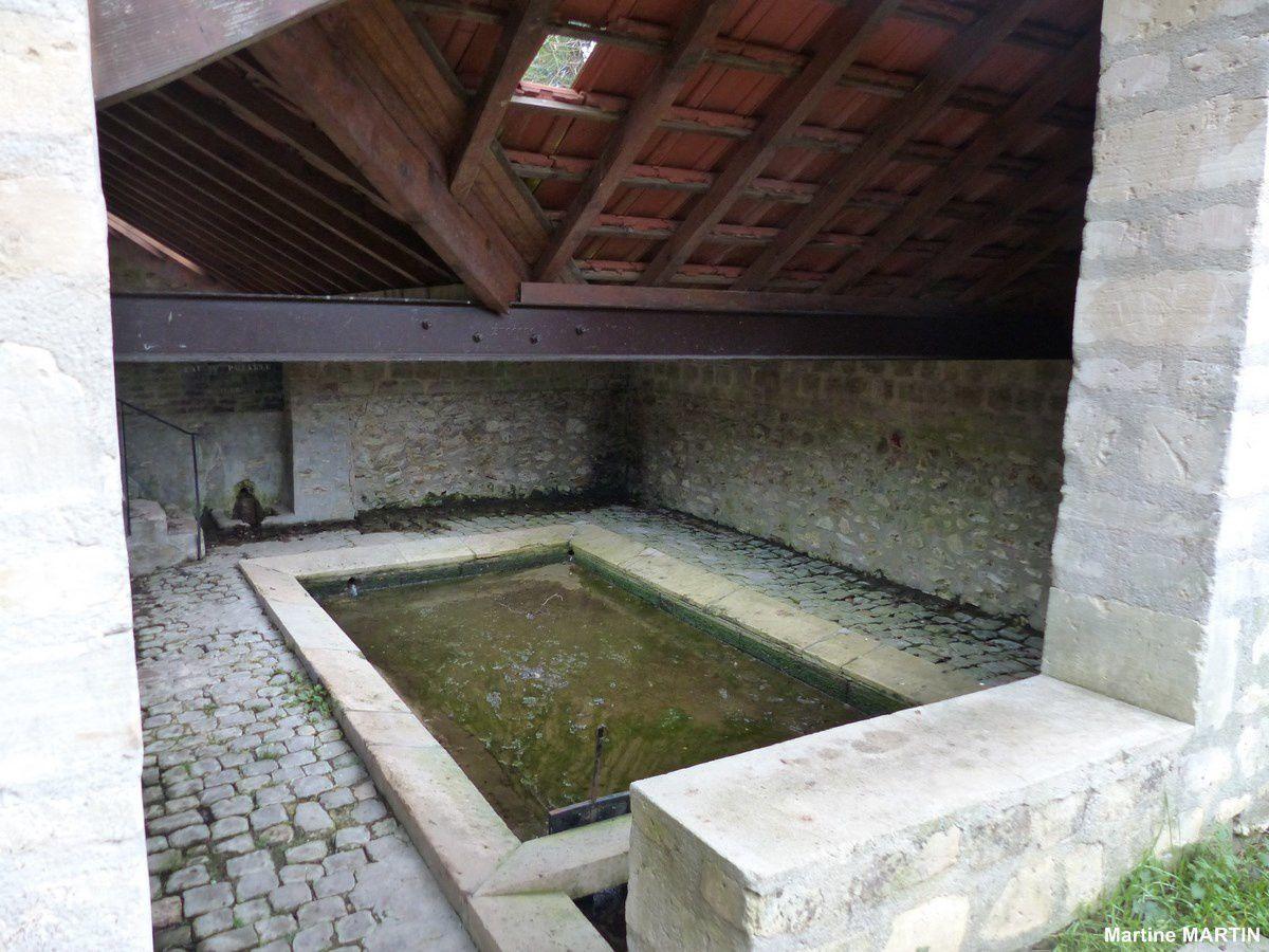 Lavoir à à Cergy Village