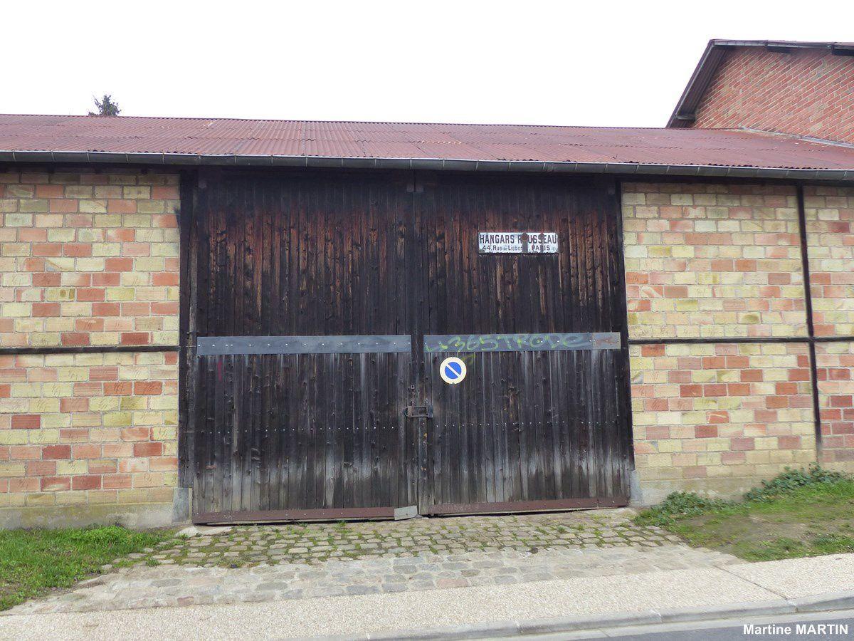 Vieux Hangar à Cergy Village