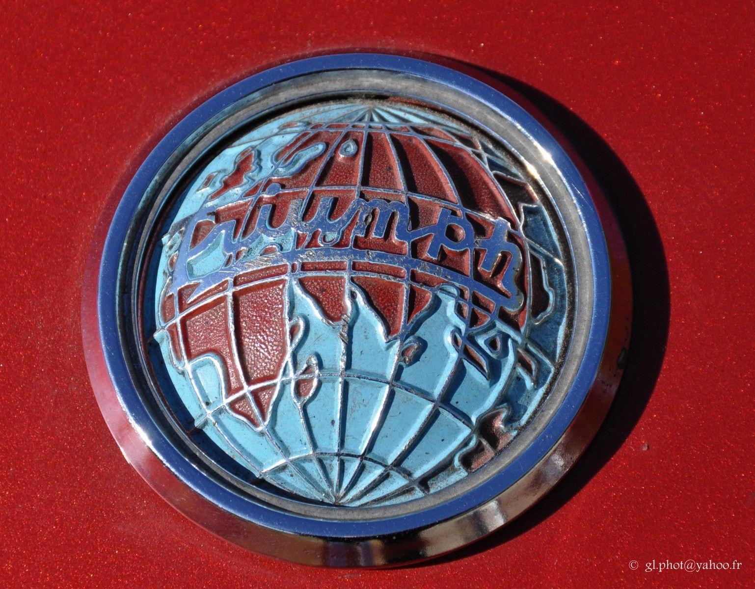Exposition de voitures anciennes à Maisons Lafitte / Triumph  -  TR 4 A - IRS - 1967