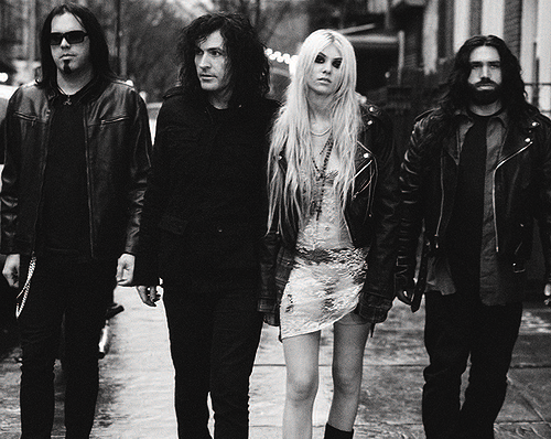 The Pretty Reckless - Messed Up World (F'd Up World) / CHANSON / MUSIQUE