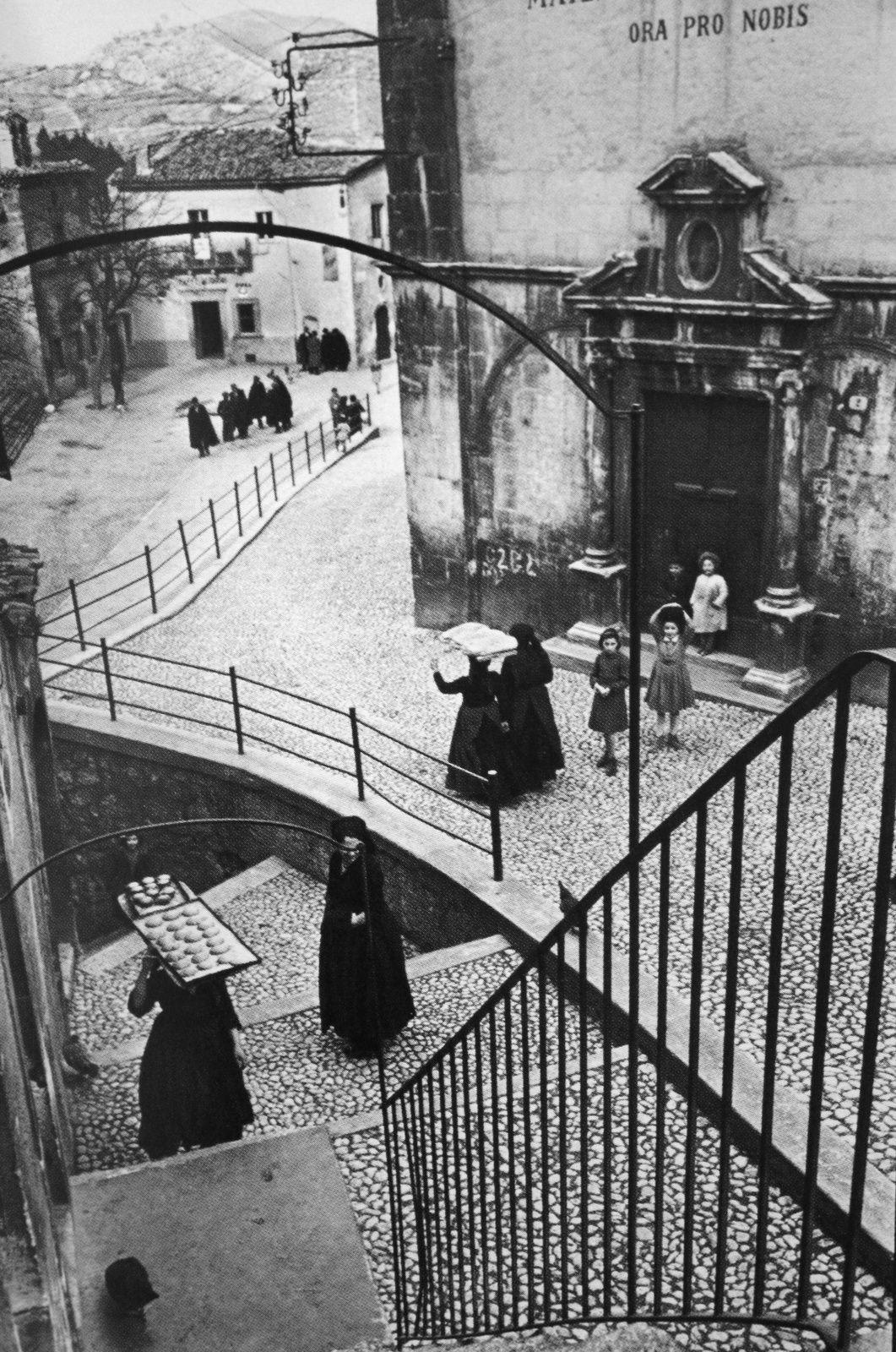 Aquila degli Abruzzi, 1952