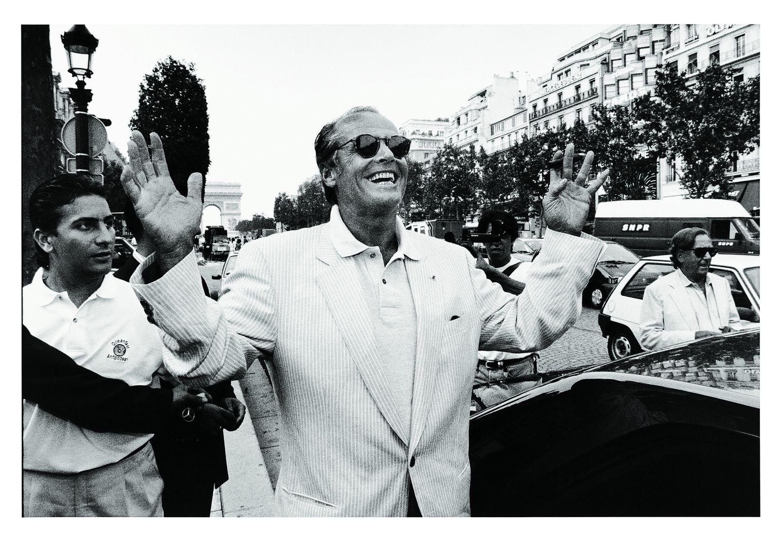 Jack NICHOLSON sur les Champs Elysées, 1994