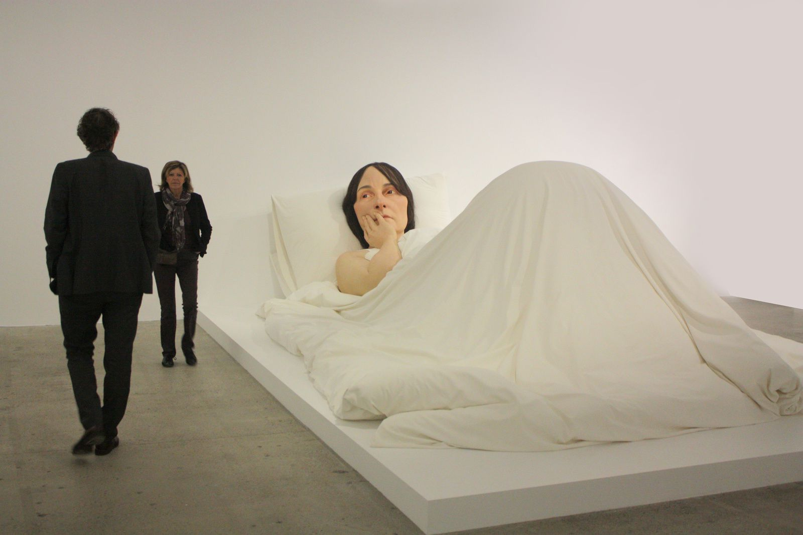 """In bed"", 2005 de RON MUECK"