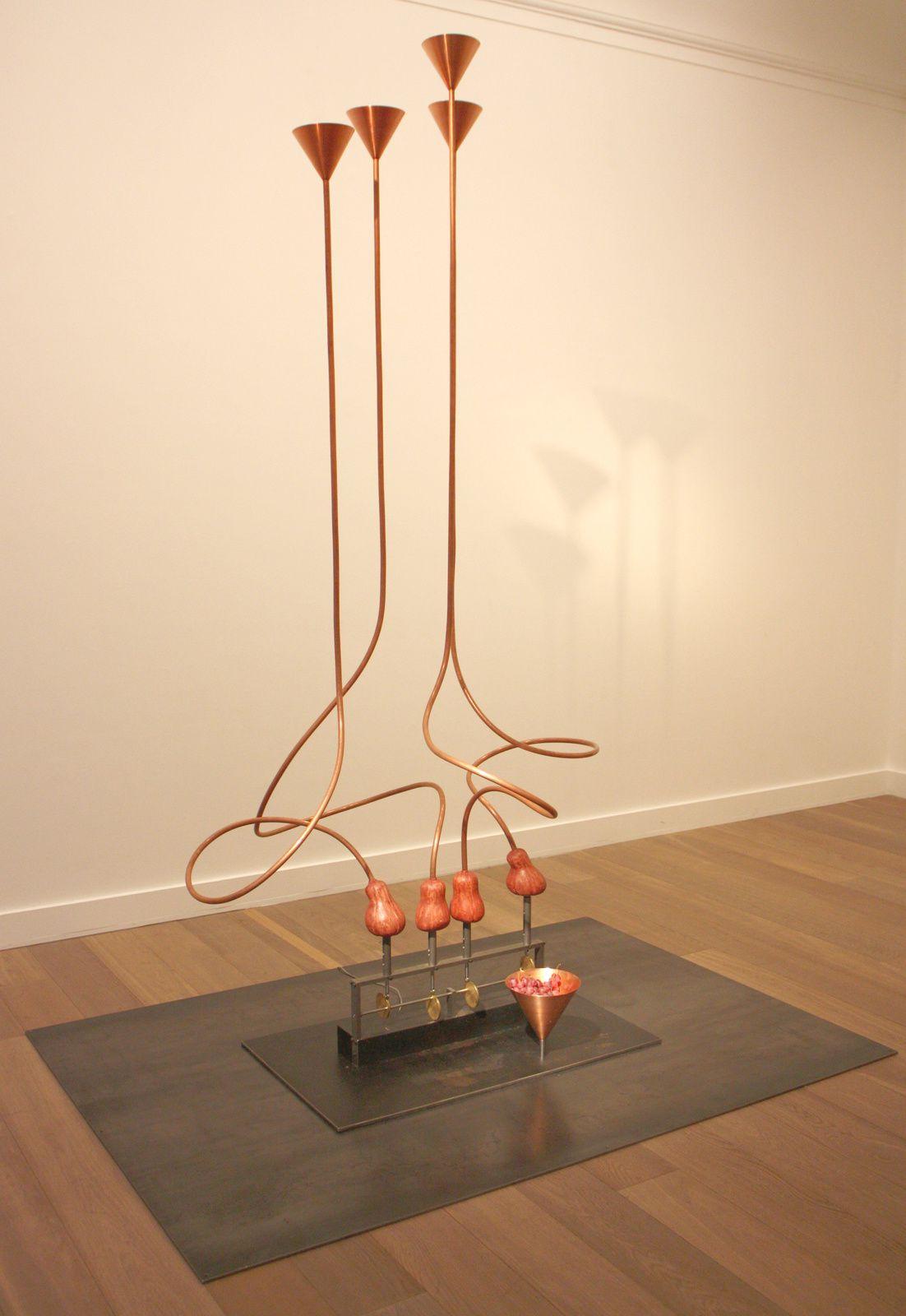 """Bacchus Knot"", 2014 de Rebecca Horn  courtesy Galerie Lelong © Photo Eric Simon"