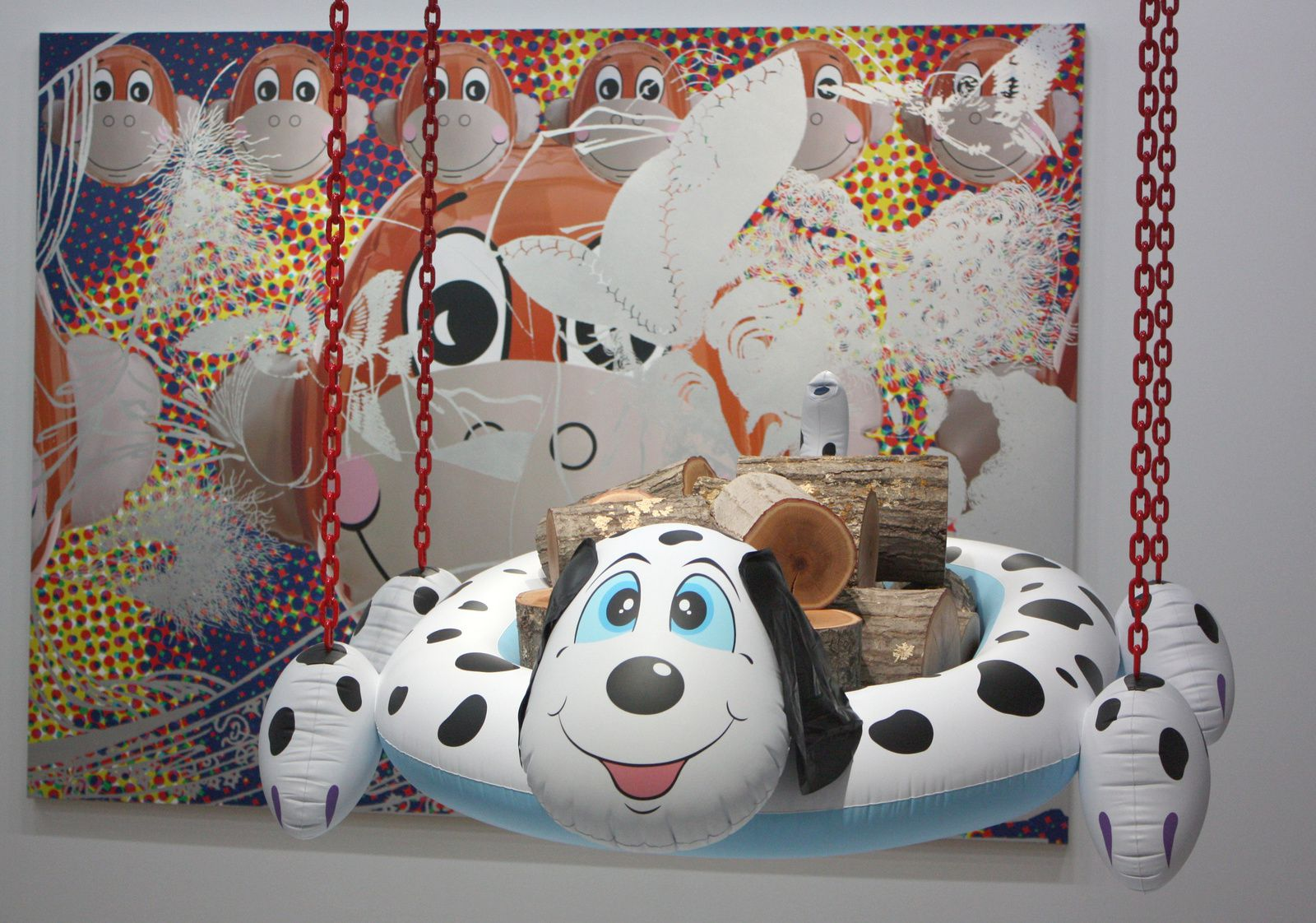 """Dog pool"", 2003-2008  et ""Dutch Couple"", 2007 de Jeff Koons © Photo Éric Simon"