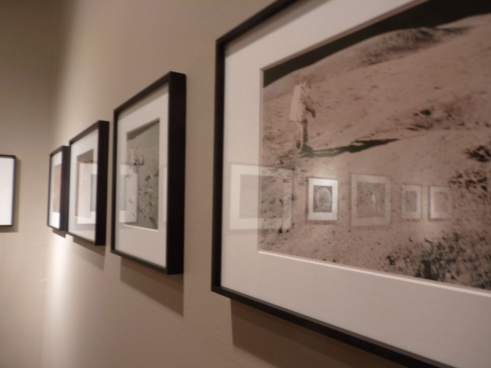 Expo collective Photographique: Magnificient Desolation
