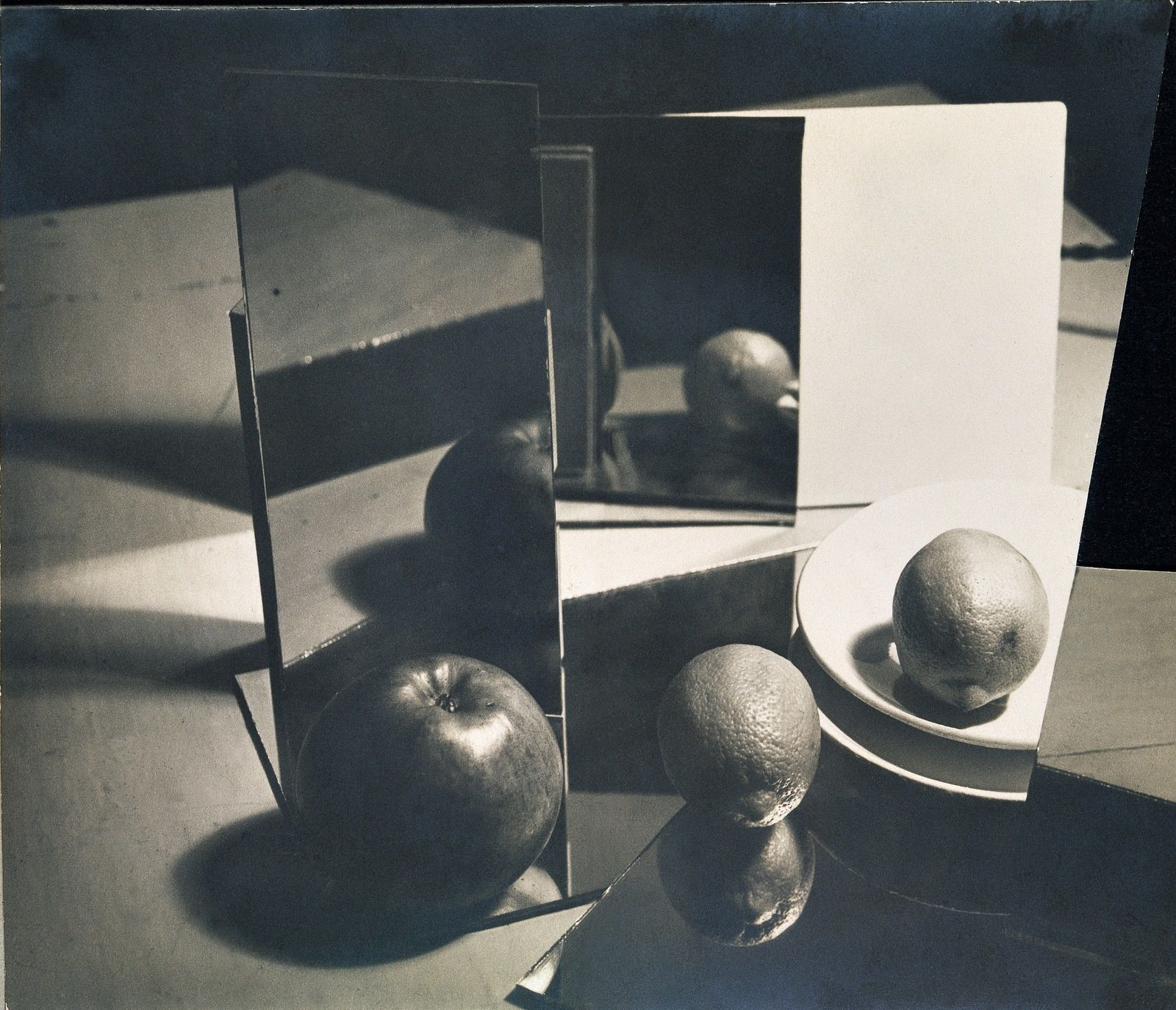 """Composition"", 1928 de Florence Henri © Galleria Martini & Rochetti © Photo Éric Simon"