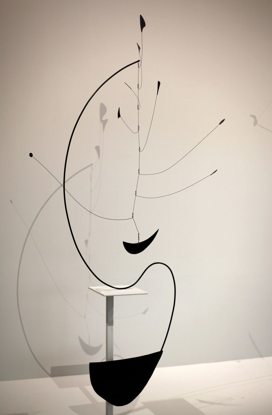 """Untitled"", 1940 d'Alexander Calder. The Doris et Donald Fischer Collection at the San Francisco Museum of Modern Art © Photo Éric Simon"