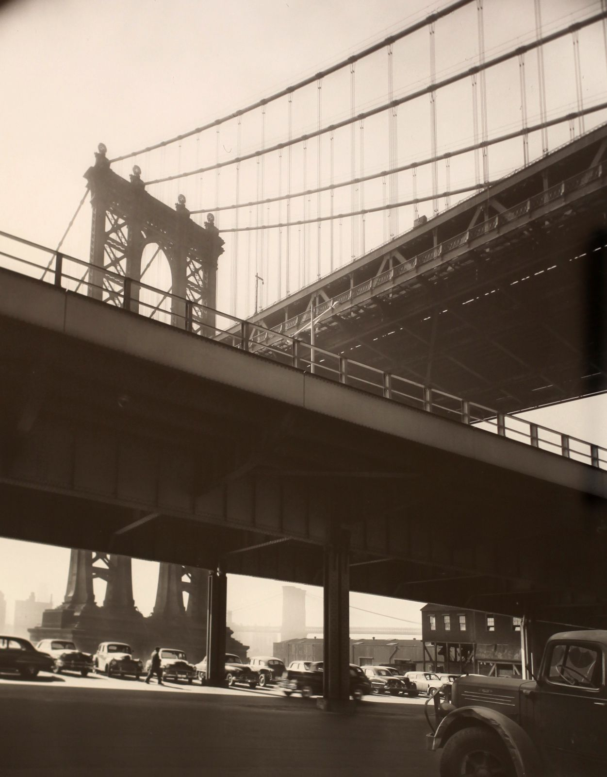 """Triple Bridge, New York"", 1956 de Bérénice Abbott - Courtesy Les douches La Galerie"