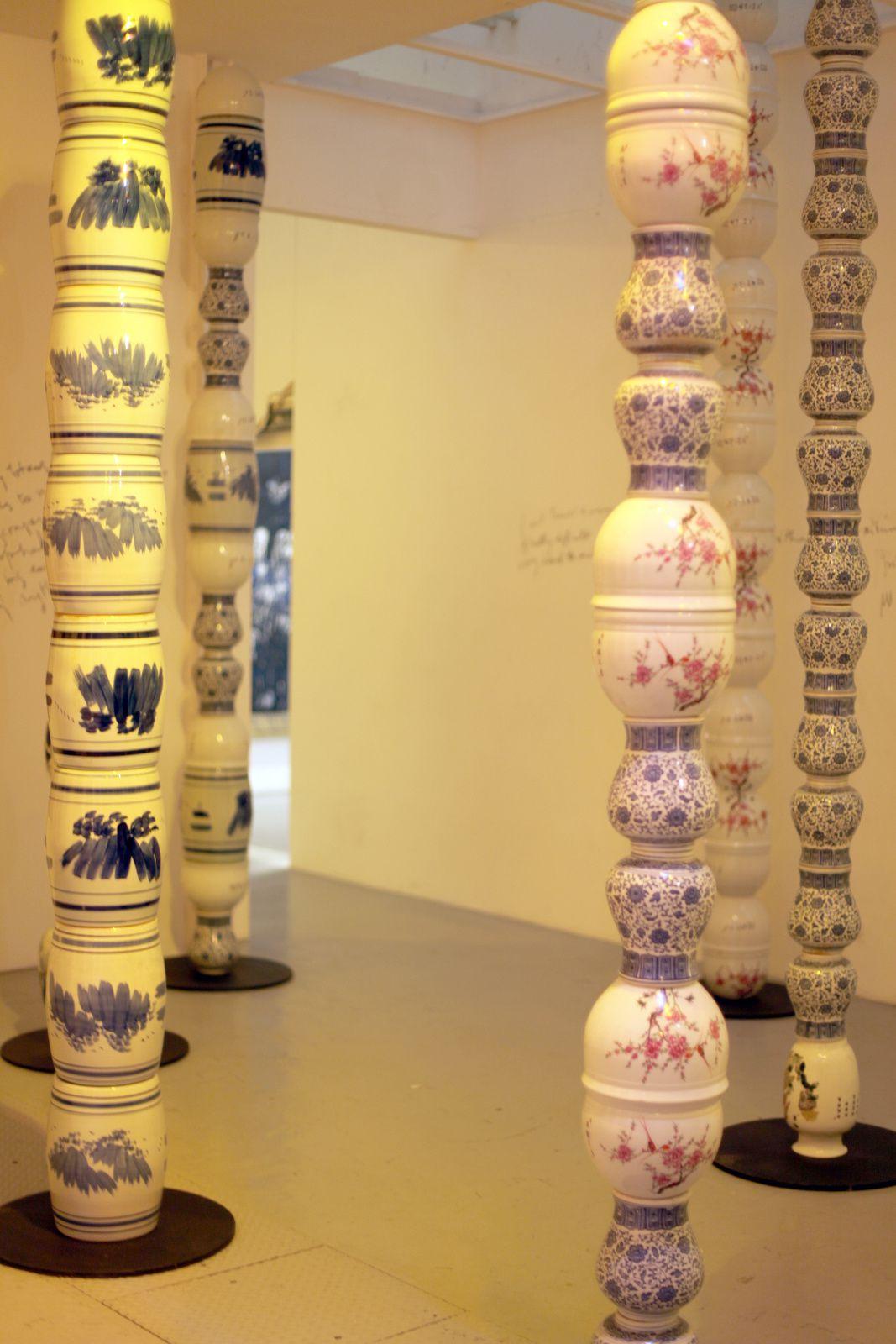 """""""Colonnes Pascale"""", 2007-2015 de Pascale Mathine Tayou - Courtesy VnH Gallery © Photo Éric Simon"""