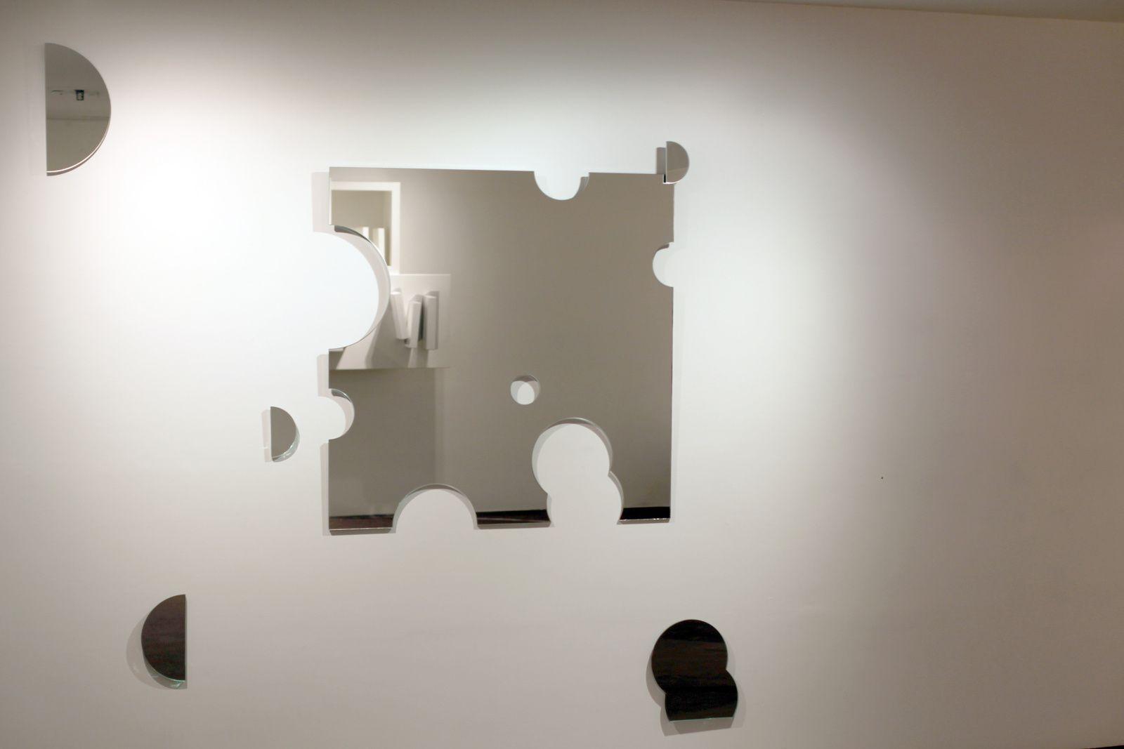 """""""De ceux qui restent"""", 2013 de Nathalie Elemento. Galerie Maubert  © Photo Éric Simon"""