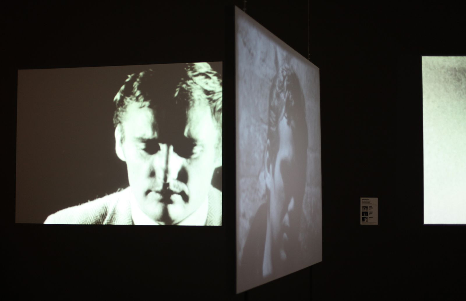 "Projection Film ""Dennis Hopper"", 1964 et ""Blow job"", 1964 d'Andy Warhol © Photo Éric Simon"