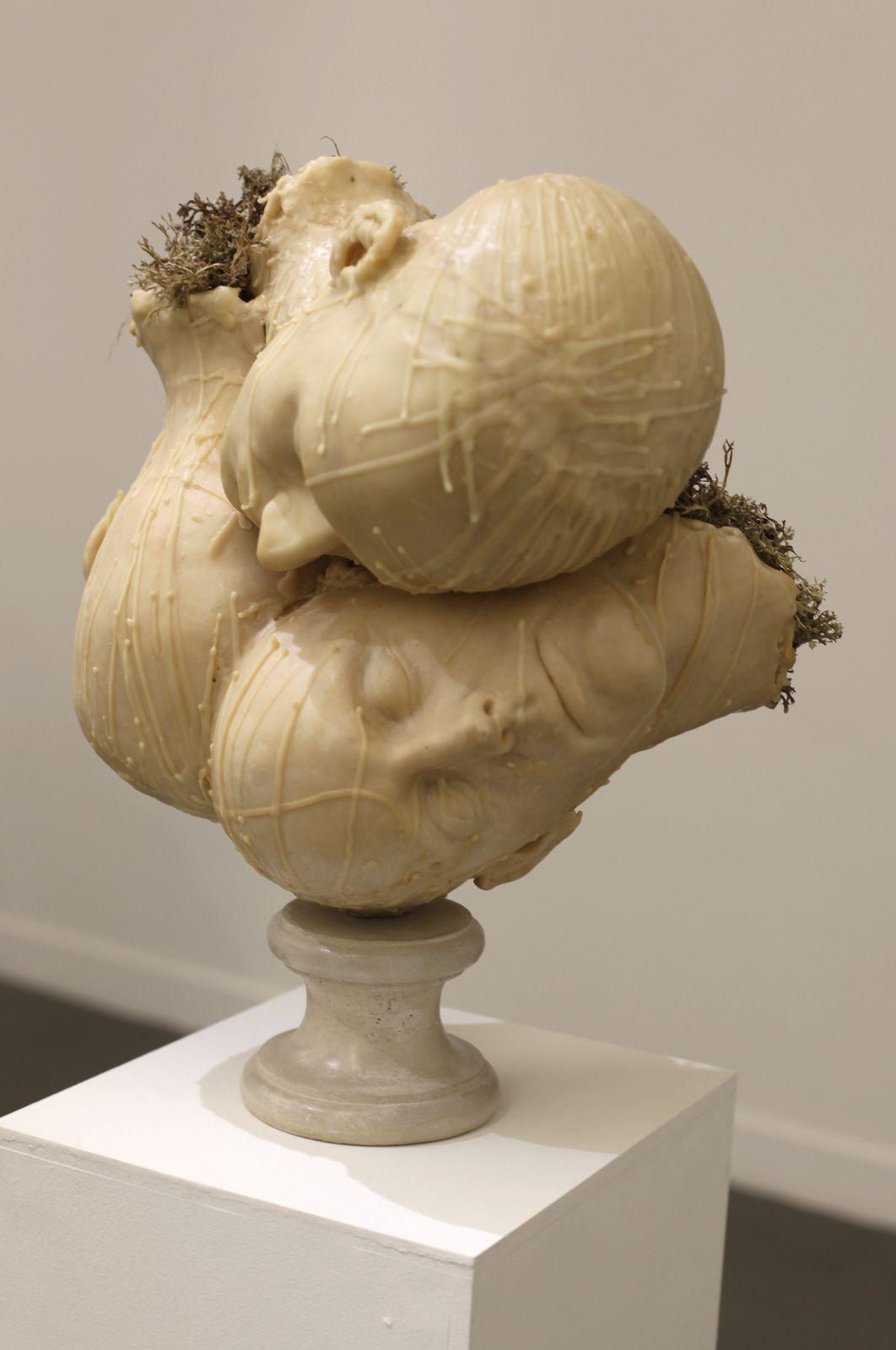 """"""" 3 têtes"""", 2015 de François CHAILLOU. Galerie Particulière © Photo Éric Simon"""