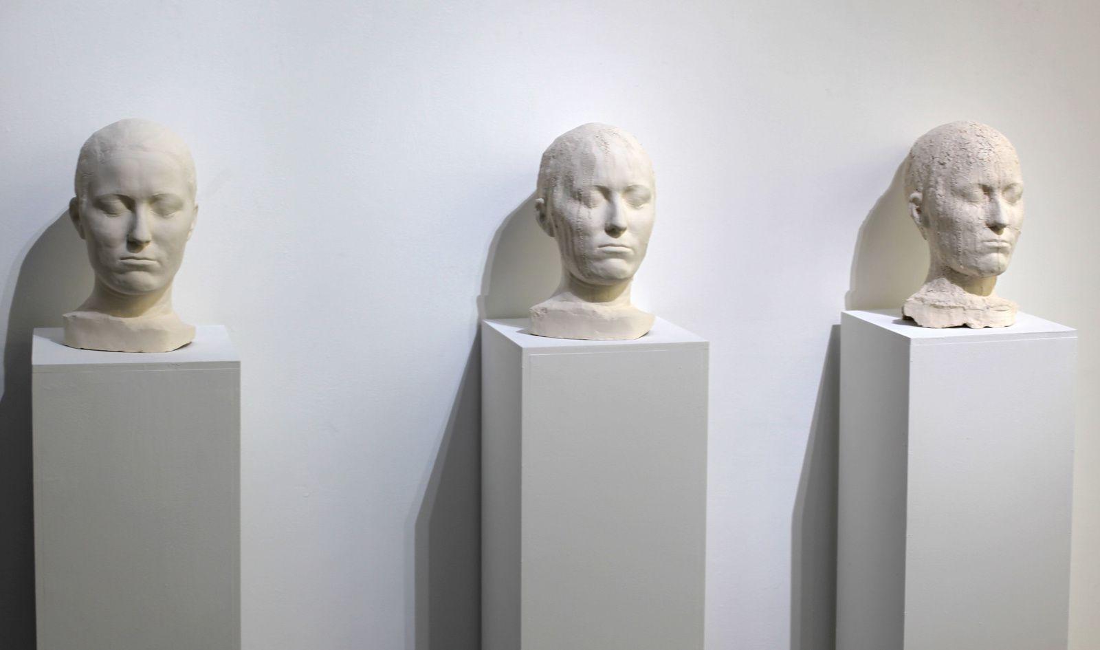 """Corrosion I, II, III (Aequivocus)"", 2015 de François CHAILLOU. Galerie Particulière © Photo Éric Simon"