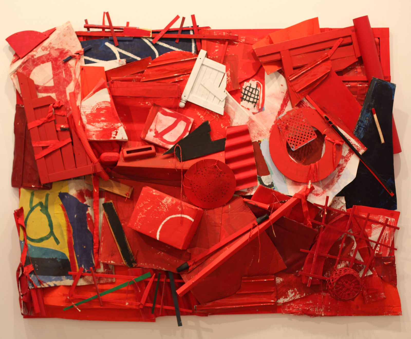 """Lieu-dit (rouge)"", 2012 de Jan Voss - Courtesy Galeire Lelong Paris © Photo Éric Simon"