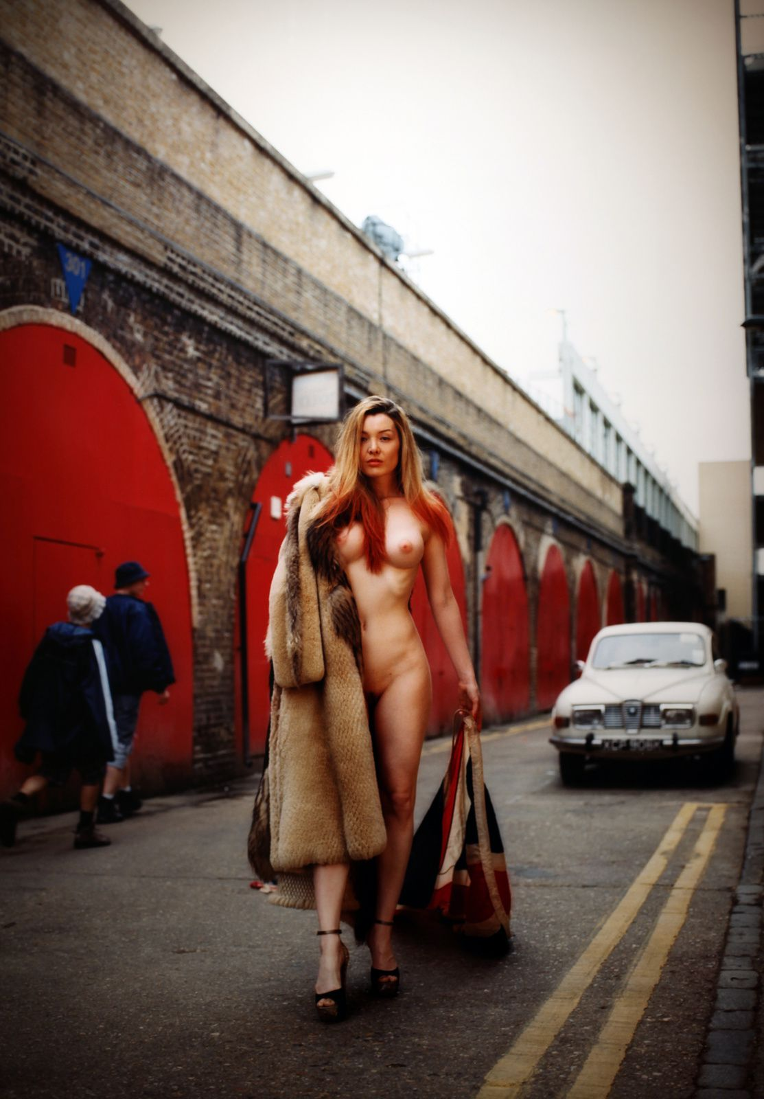 """Miss Miranda, London is watching you"", 2013 Londres de Bettina Rheims - Courtesy MEP © Photo Éric Simon"