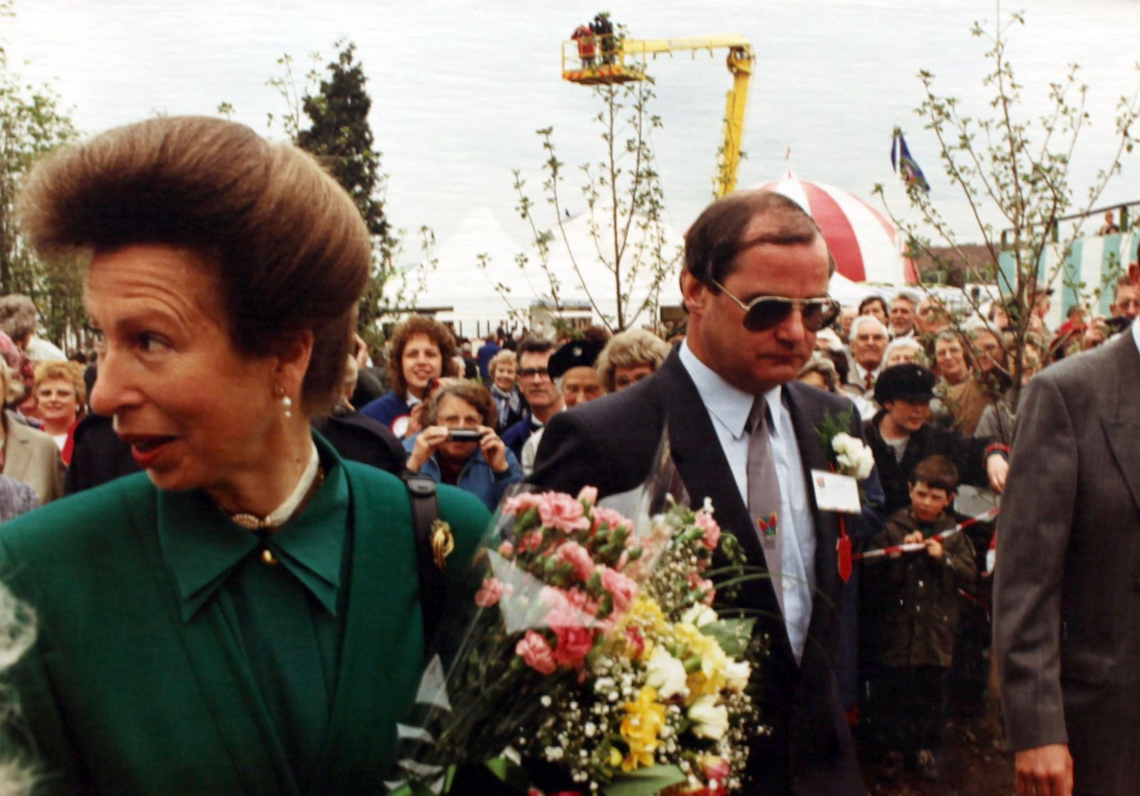 "Détail ""Madame visiting the national Garden Festival hoping to see the princess"", 1990 de Ria Pacquée  - Courtesy Loevenbruck © Photo Éric Simon"