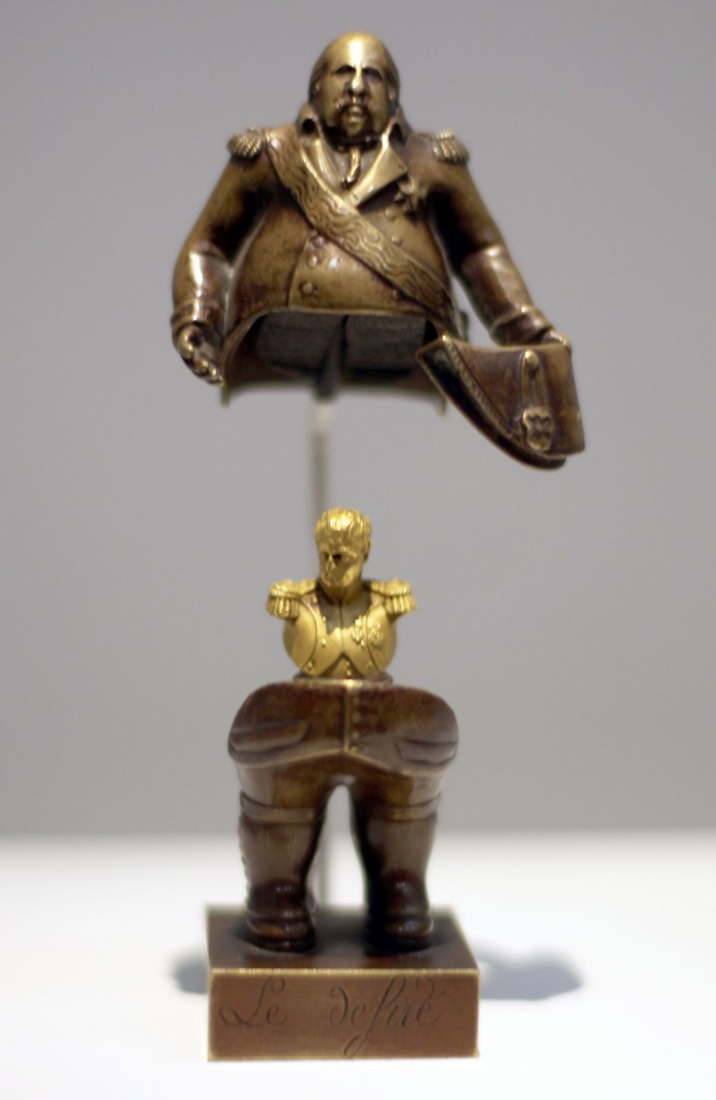 """Statuette seditieuse de Louis XVIII"" entre 1814 et 1825 © Photo Éric Simon"