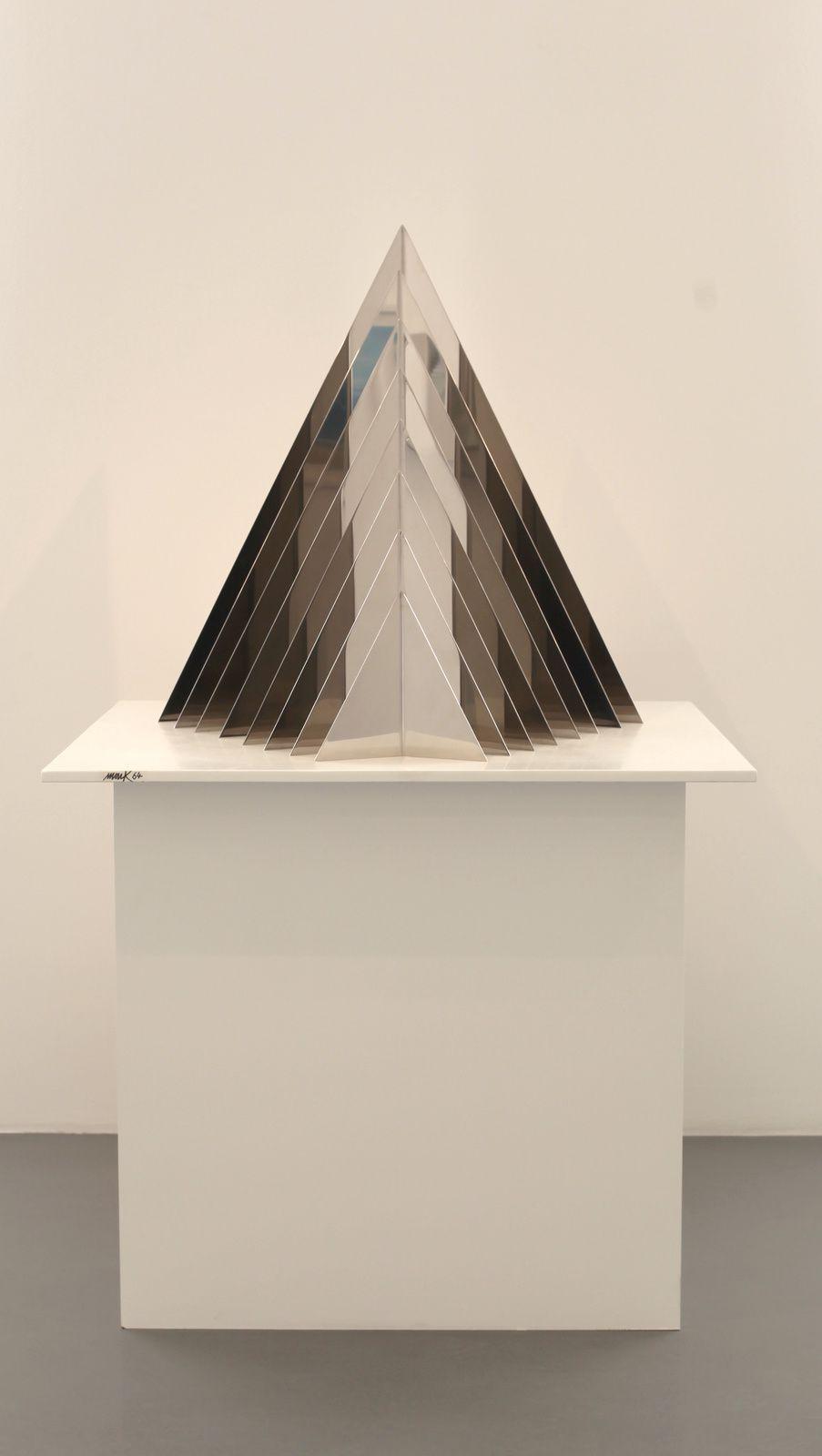 """""""Entwurf für eine lichtpyramid"""", 1964 de Heinz Mack - Courtesy Galerie Perrotin © Photo Éric Simon"""