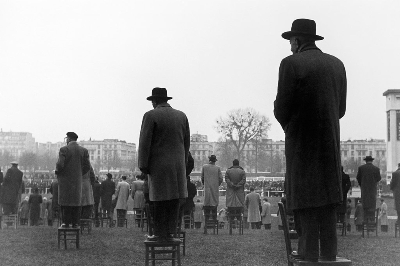 """Courses à Auteuil, Paris"", 1952 de Sabine WEISS - Courtesy les Douches la Galerie"