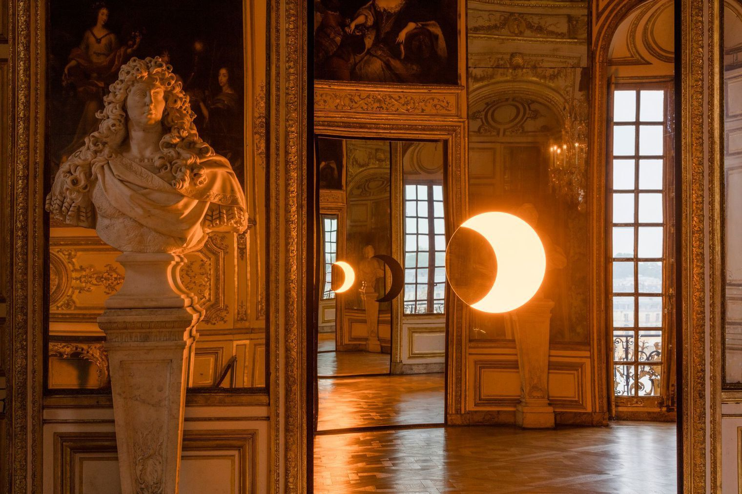 """Deep mirror(yellow)"", 2016  Olafur Eliasson,  Palace of Versailles. Photo © Anders Sune Berg - Courtesy of the artist&#x3B; neugerriemschneider, Berlin&#x3B; Tanya Bonakdar Gallery, New York"