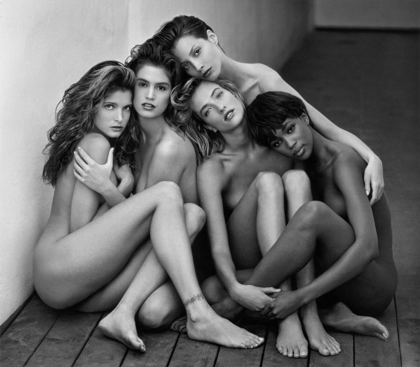 """Stephanie, Cindy, Christy, Naomi, Tatjana, Hollywood"", 1989 de Herb RITTS  © Herb Ritts Foundation"