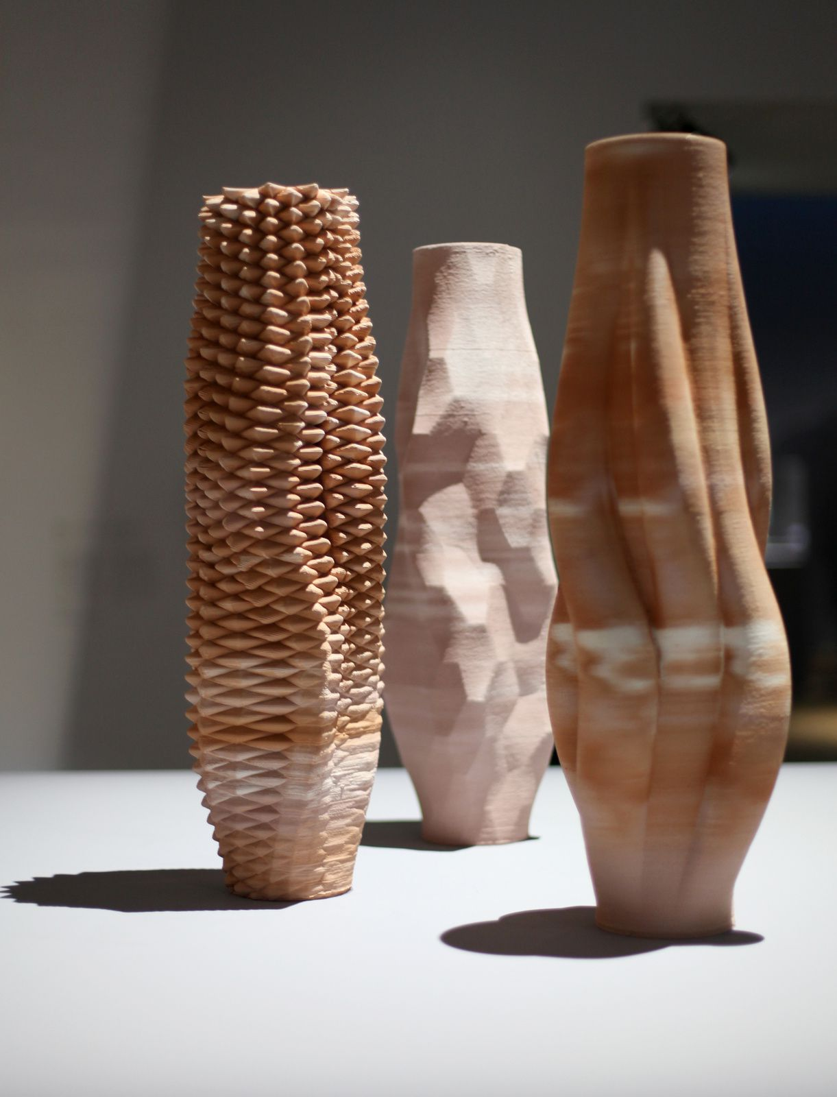 """Sediment Vases"", 2015- 2016 de Olivier VAN HERPT © Photo Éric Simon"