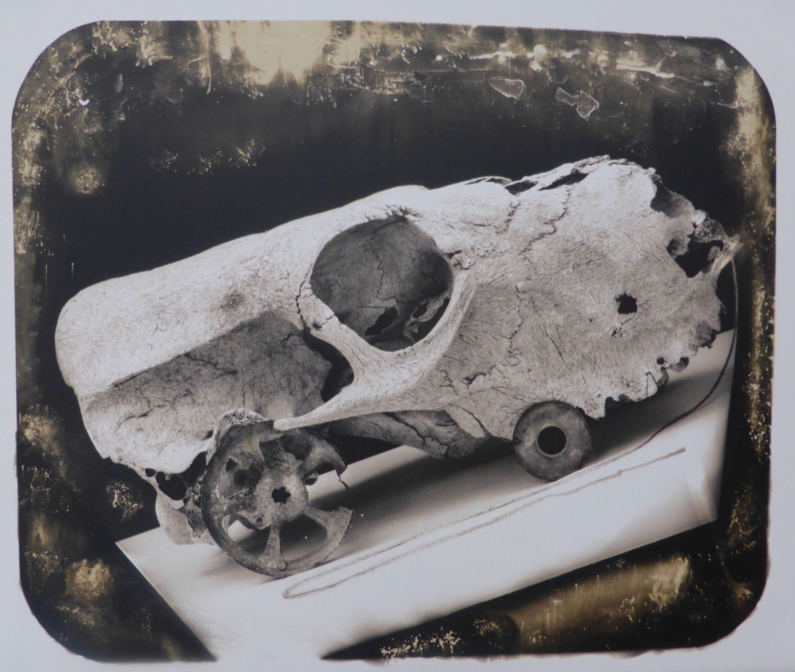 """A Child's pull-toy Discovered in 1854 at Pompeii"", 2016 de Joel-Peter Witkin - Courtesy Galerie Baudoin Lebon"