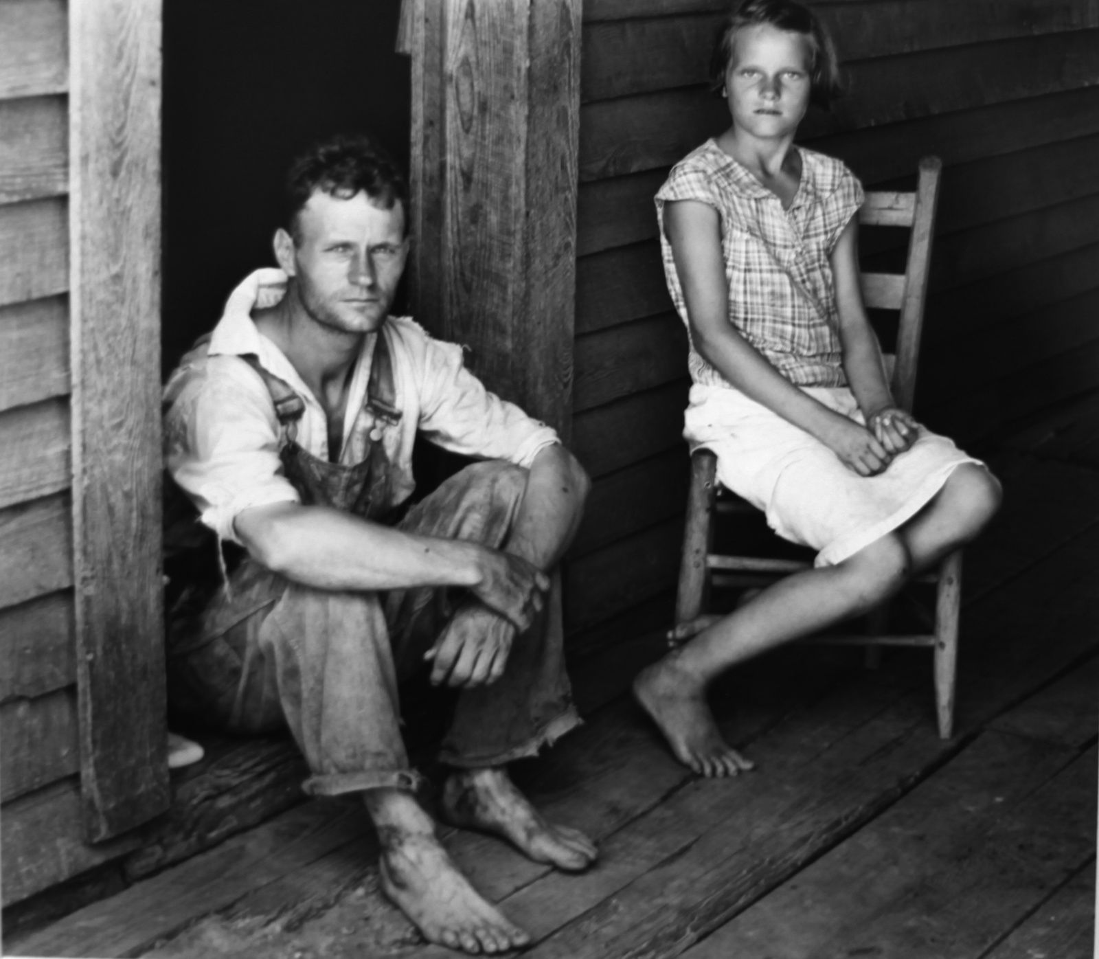 """Floyd and Lucille Burroughs, Halle Country, Alabama"", 1936 de Walker EVANS - Courtesy The Paul GETTY Museum, L.A. © Photo Éric Simon"