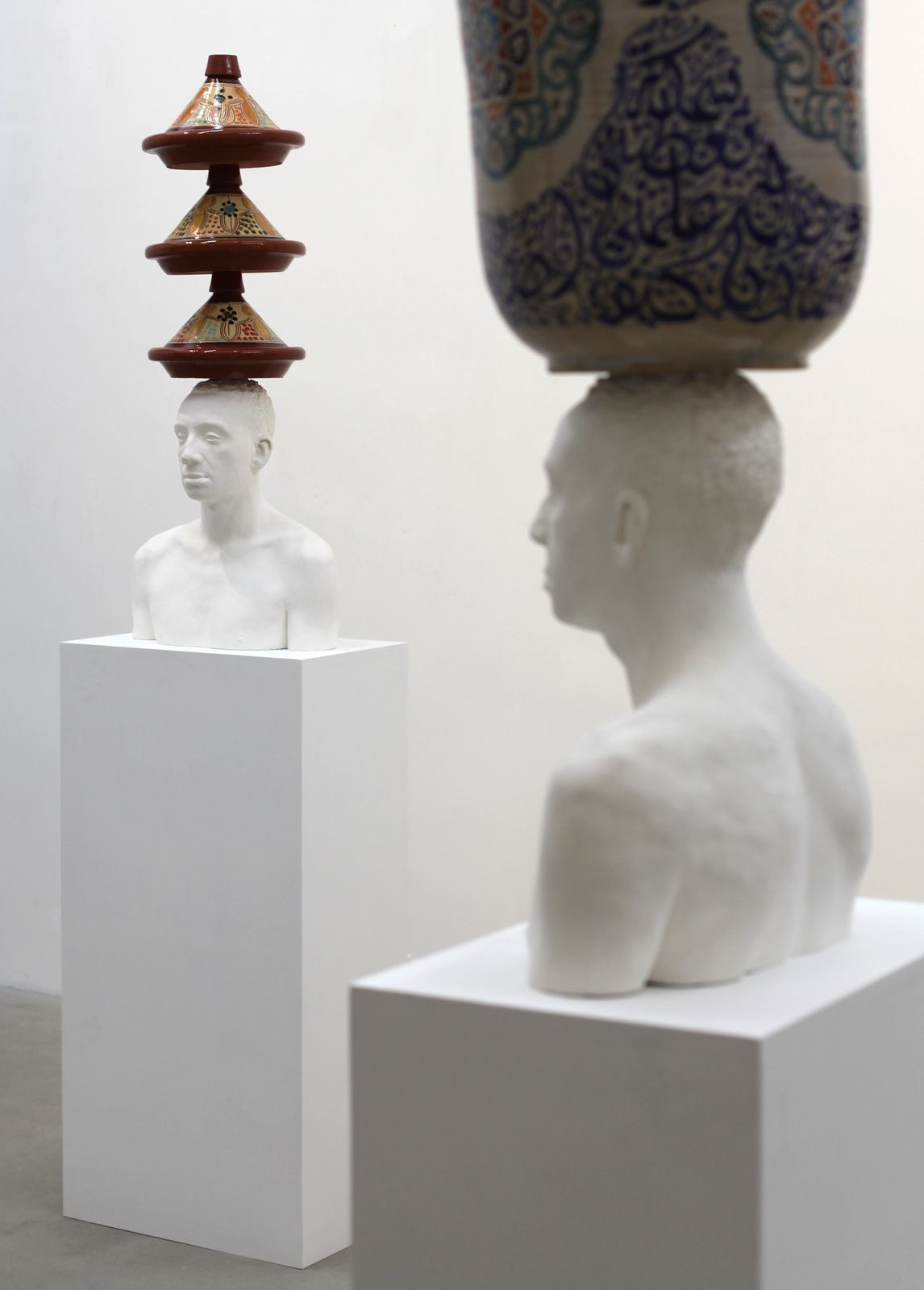 """L'Équilibre aux Tajines"", 2012 de Mehdi Georges LAHLOU -  Courtesy Galerie Rabouan Moussion  © Photo Éric Simon"