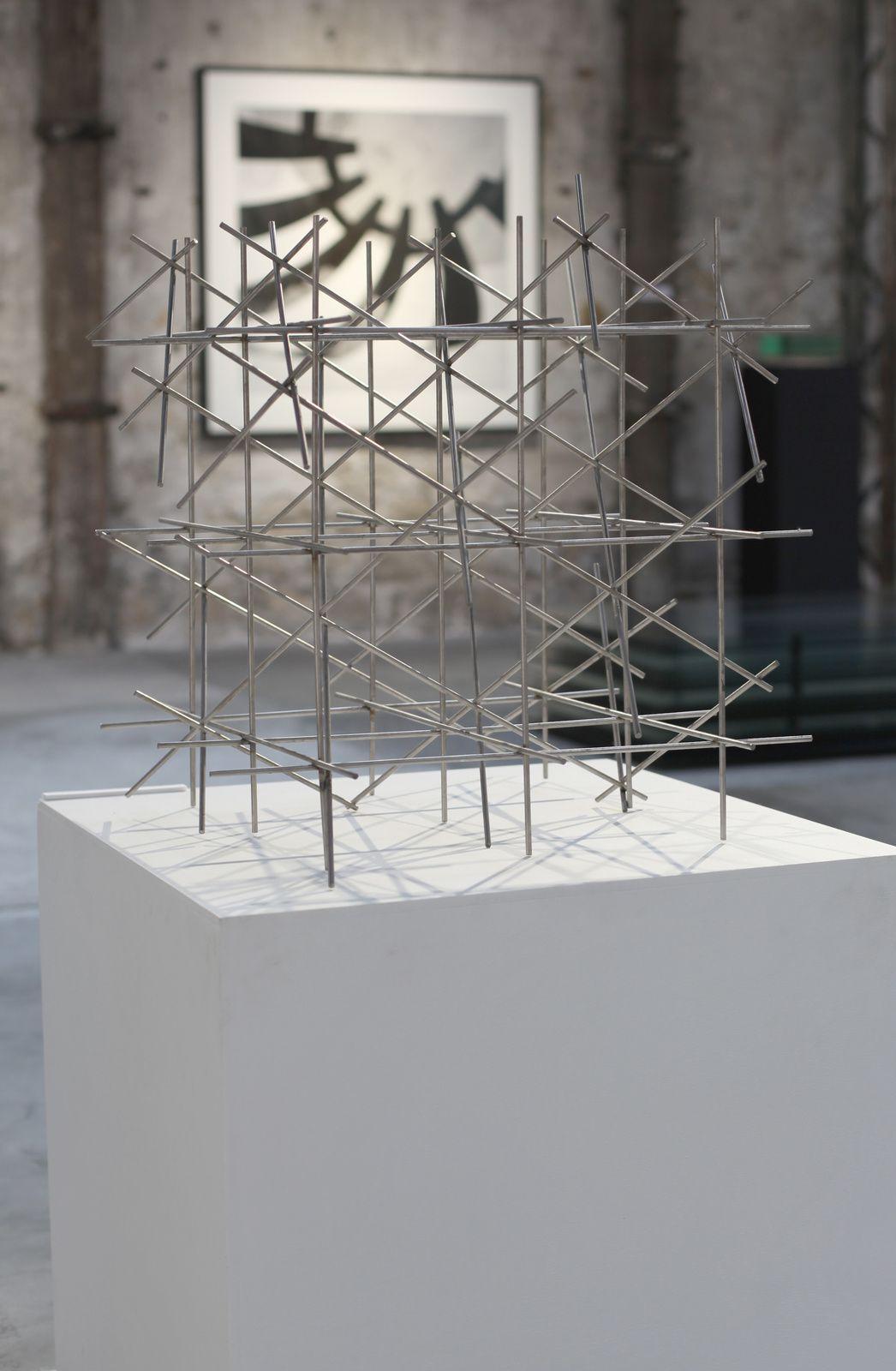 """""""Trame"""", 1967 de François MORELLET - Courtesy Galerie Lahumière © Photo Éric Simon"""
