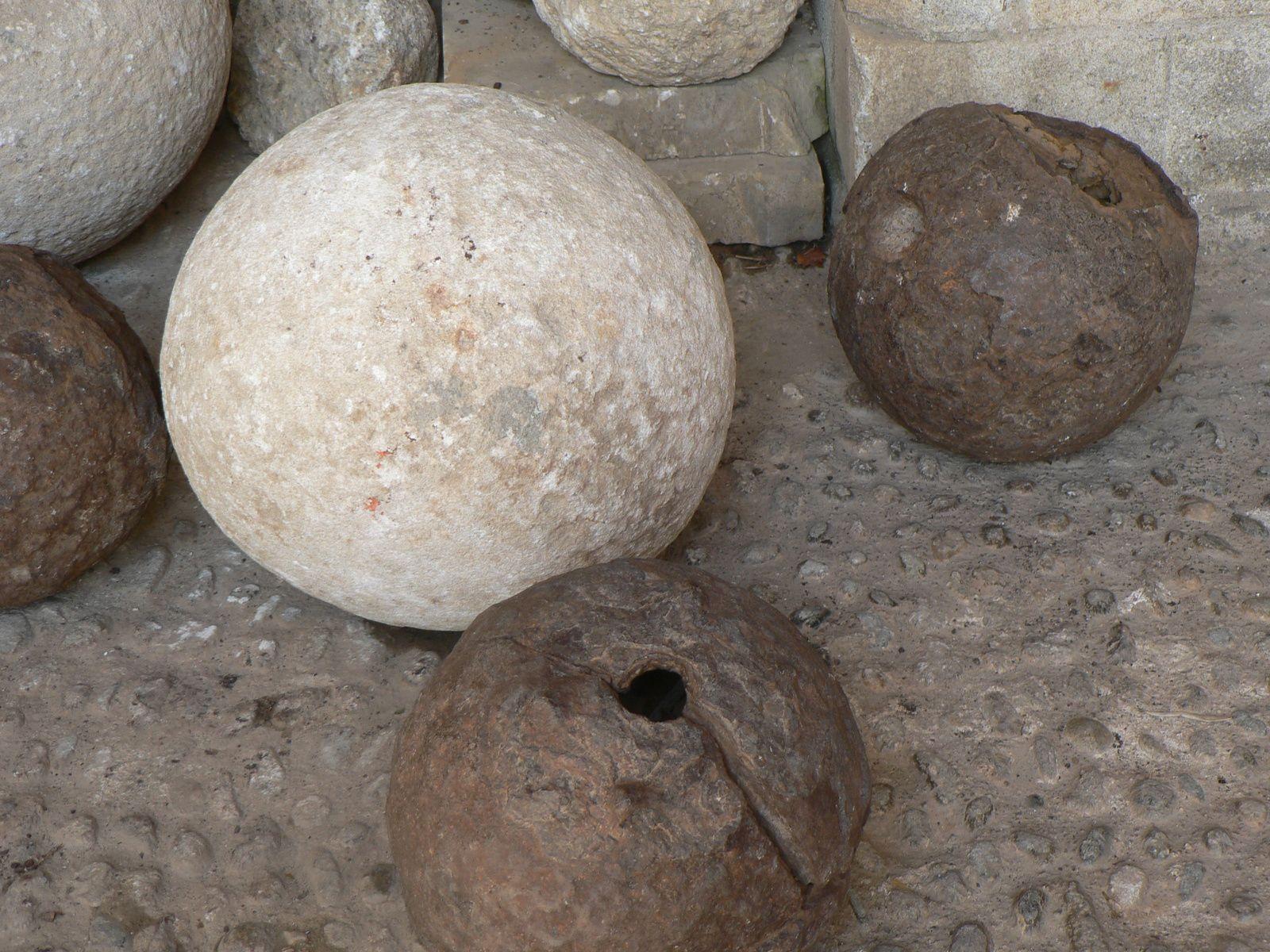 des boulets de canon - palais des rois de Majorque - Perpignan 66