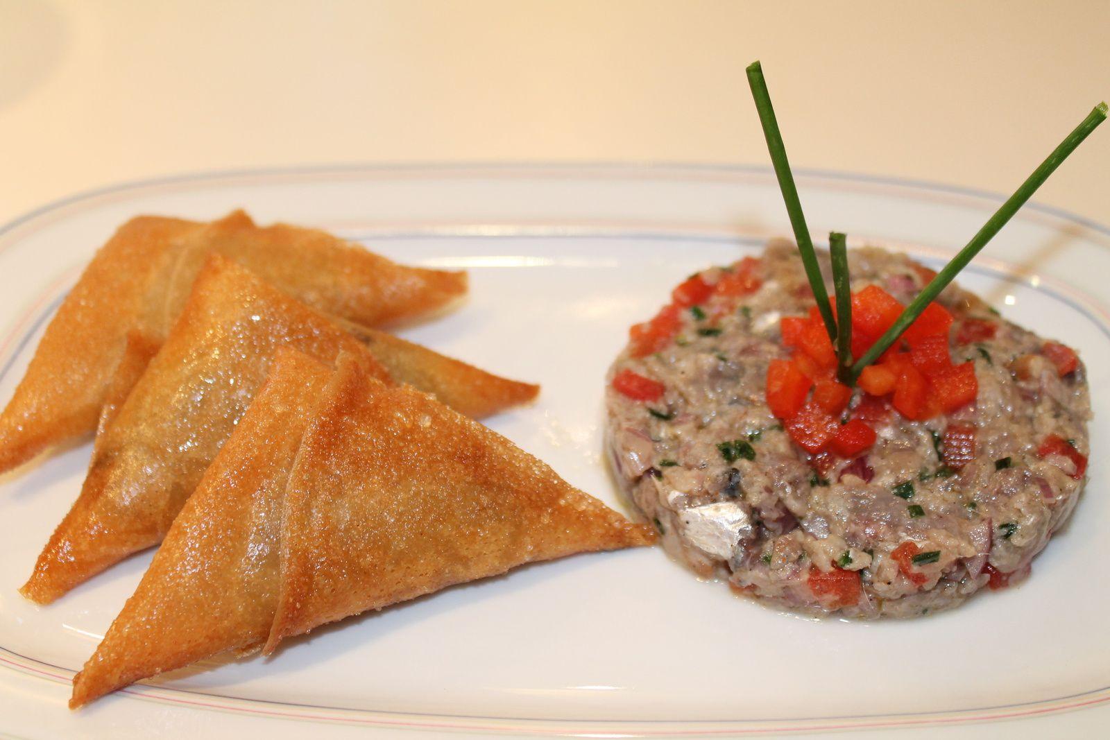 Sardines fraîches en tartare et samosa