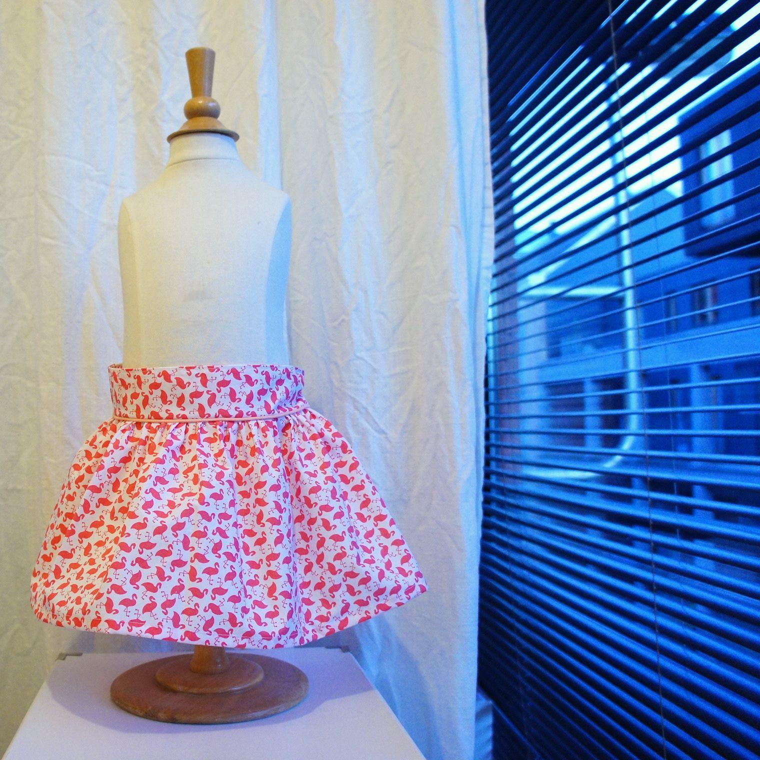 Petit plaisir pour la fille d'une amie, une jupe corolle à flamands roses très girly!