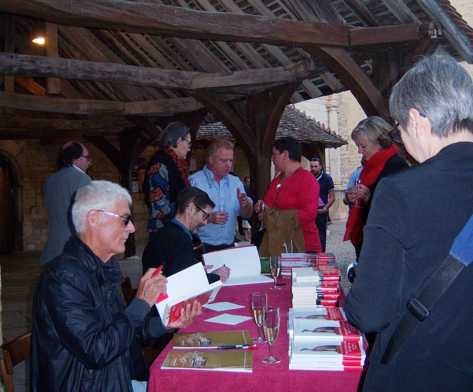 Montmartre en Bourgogne. Les Chats de Louise Michel, prix Méo Camuzet aux Livres en Vignes.