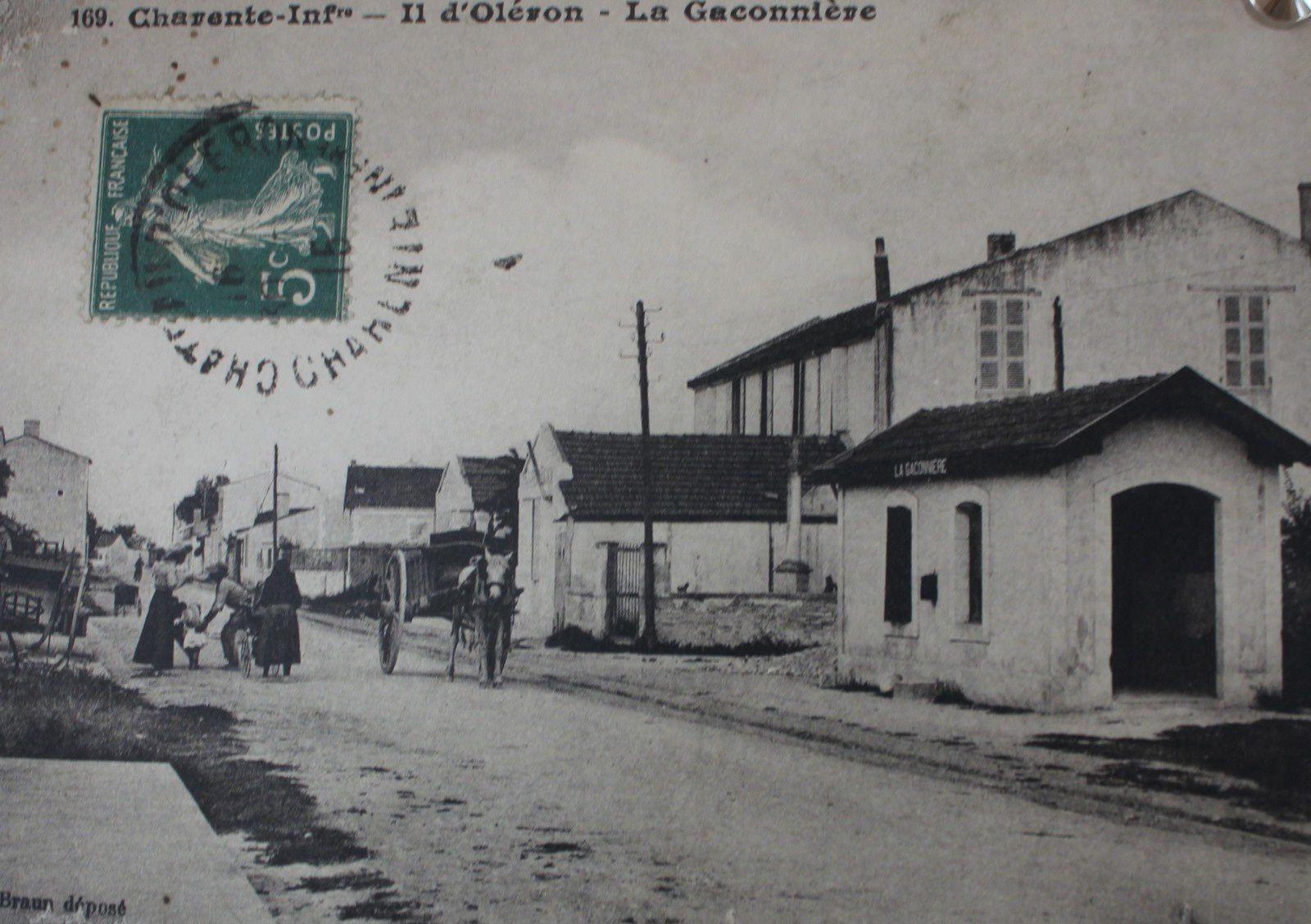 Oléron. La Chevalerie. La gare. Le village.
