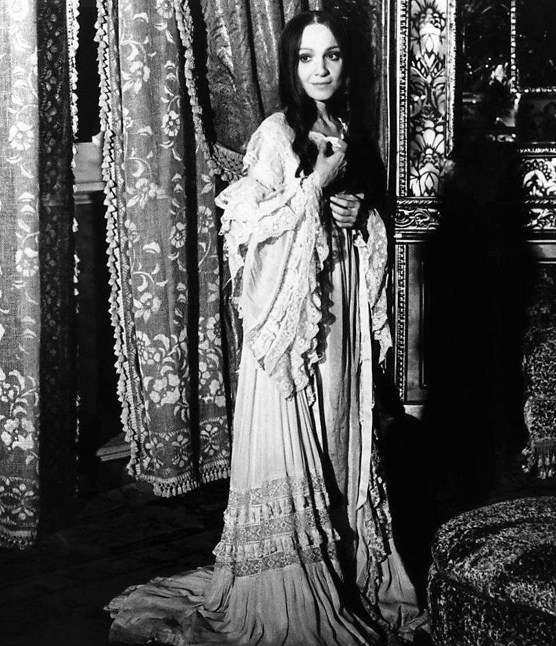 La Traviata. Zeffirelli. Teresa Stratas.