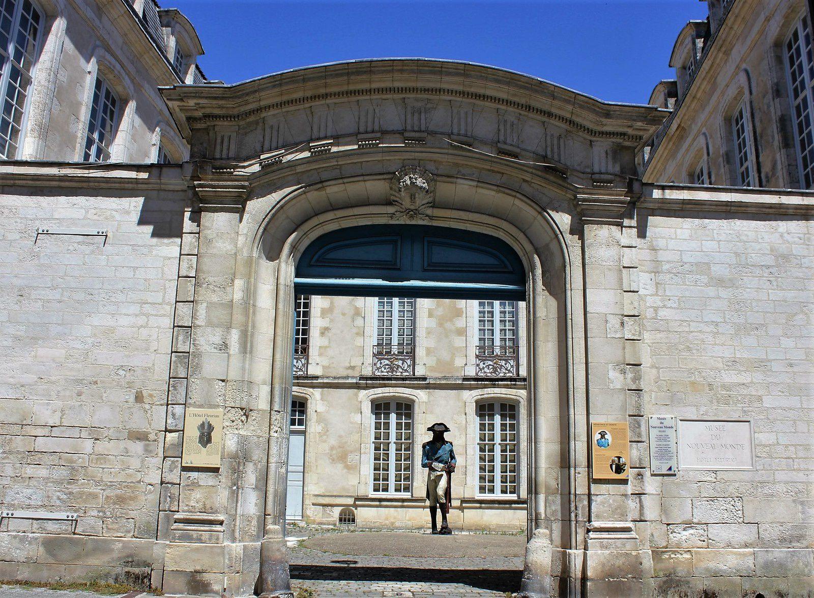 Le Musée du Nouveau Monde, rue Fleuriau.
