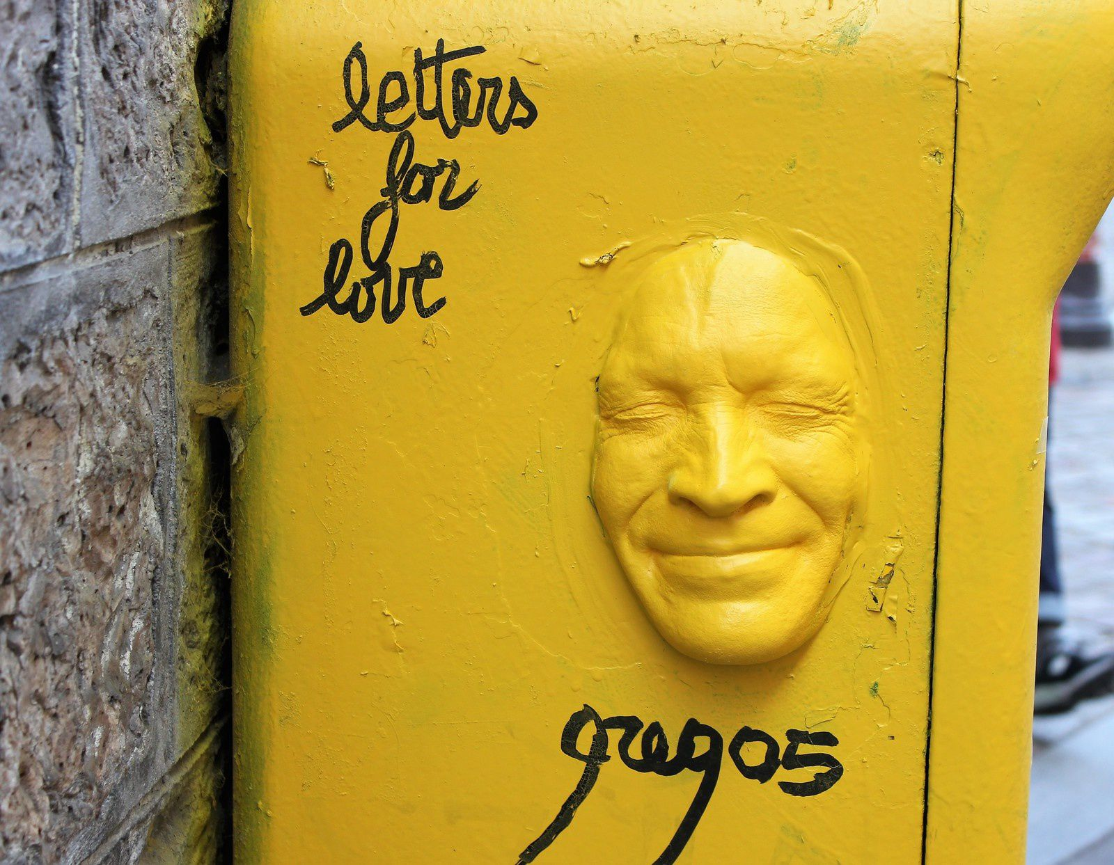 Gregos. Place Foyatier. Letters for love.